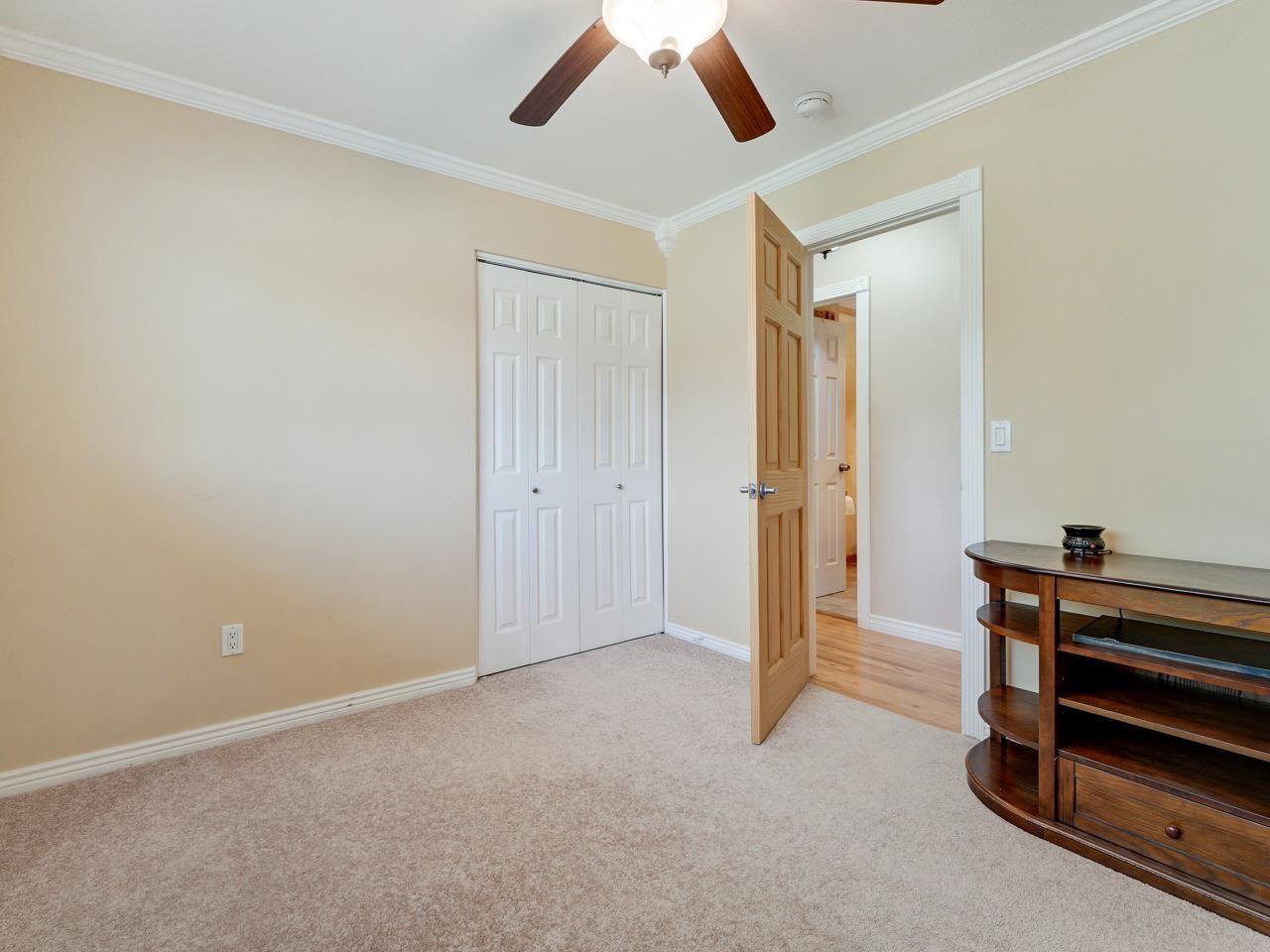 2332 E Alcove Drive Property Photo 28