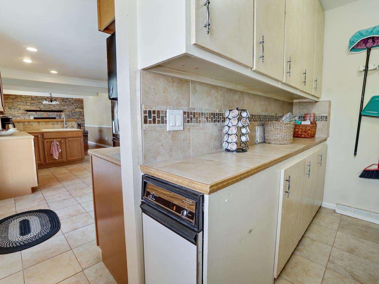 2332 E Alcove Drive Property Photo 37