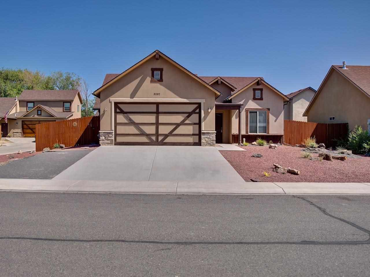 3282 Deerfield Avenue Property Photo 1