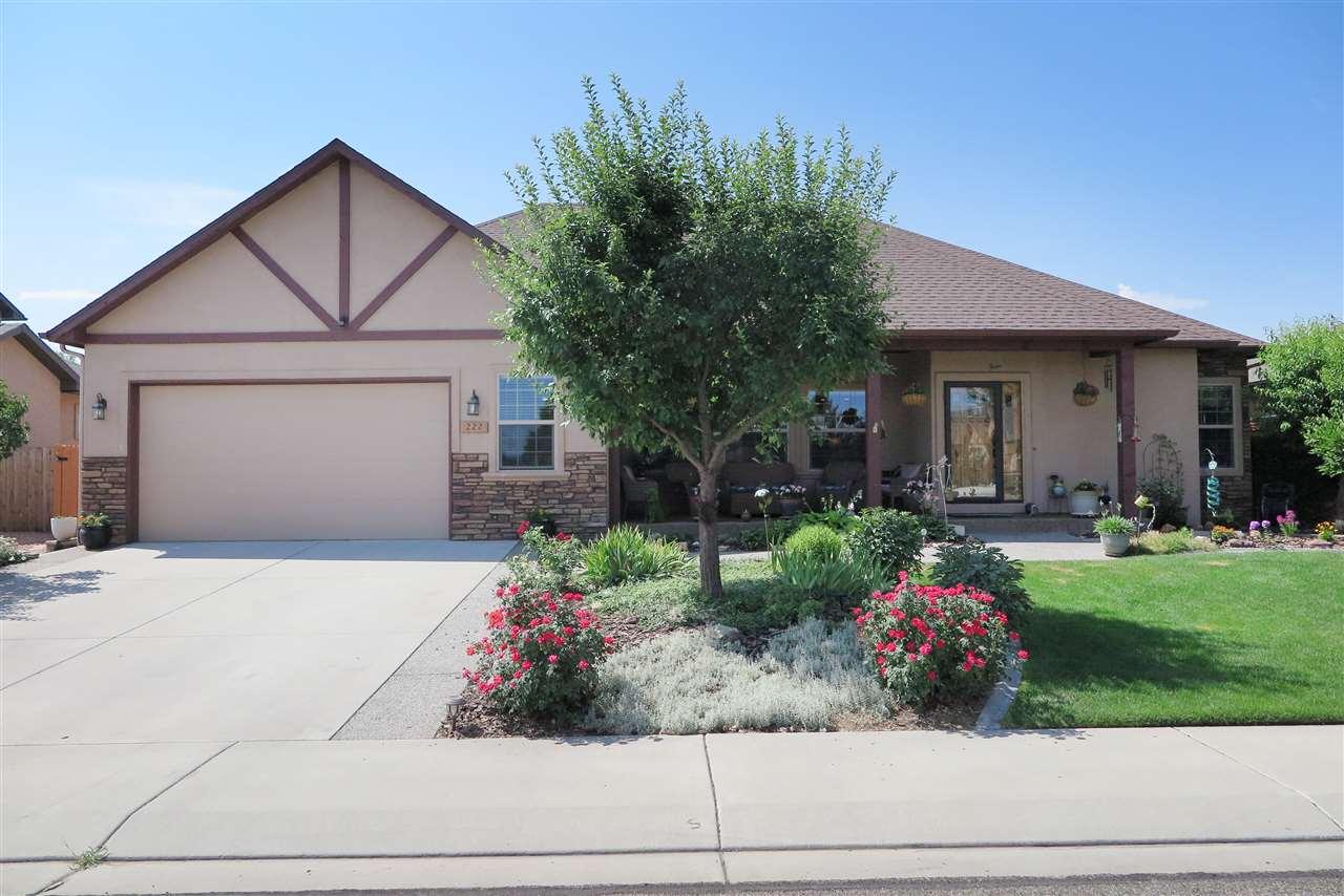 222 Oakwood Avenue Property Photo 1