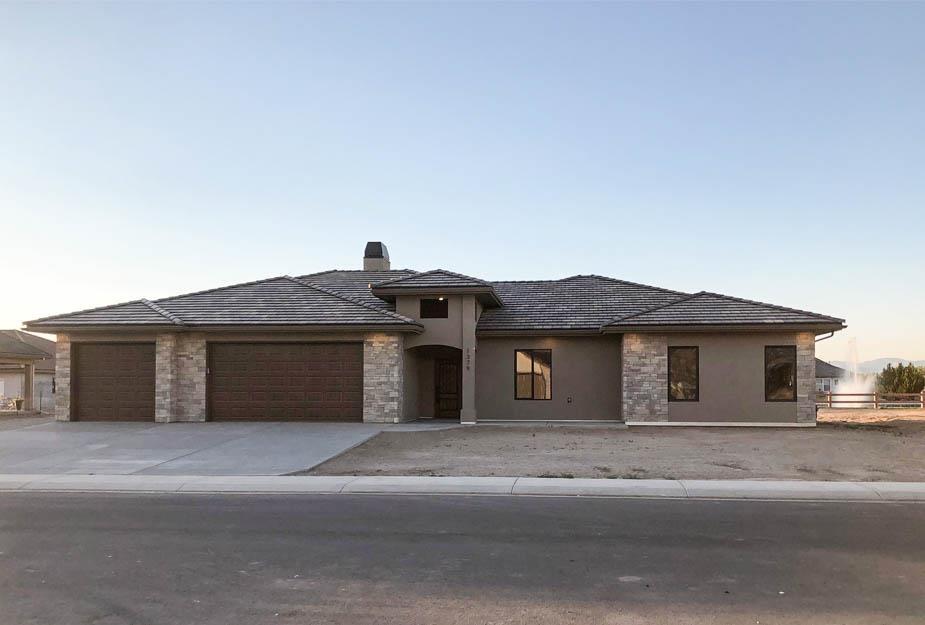 1379 Shoreline Drive Property Photo 1