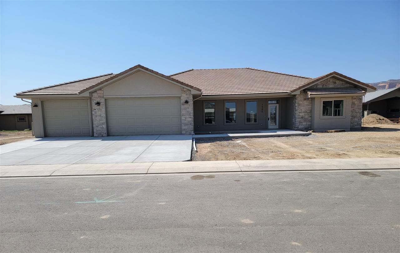 1380 Shoreline Drive Property Photo 1