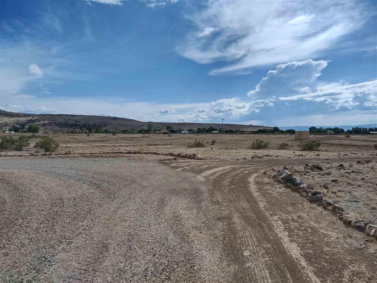 669 39 Road Property Photo 3