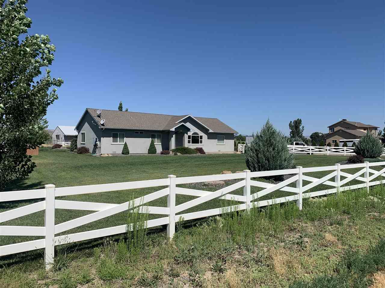 1271 14 Road Property Photo 1