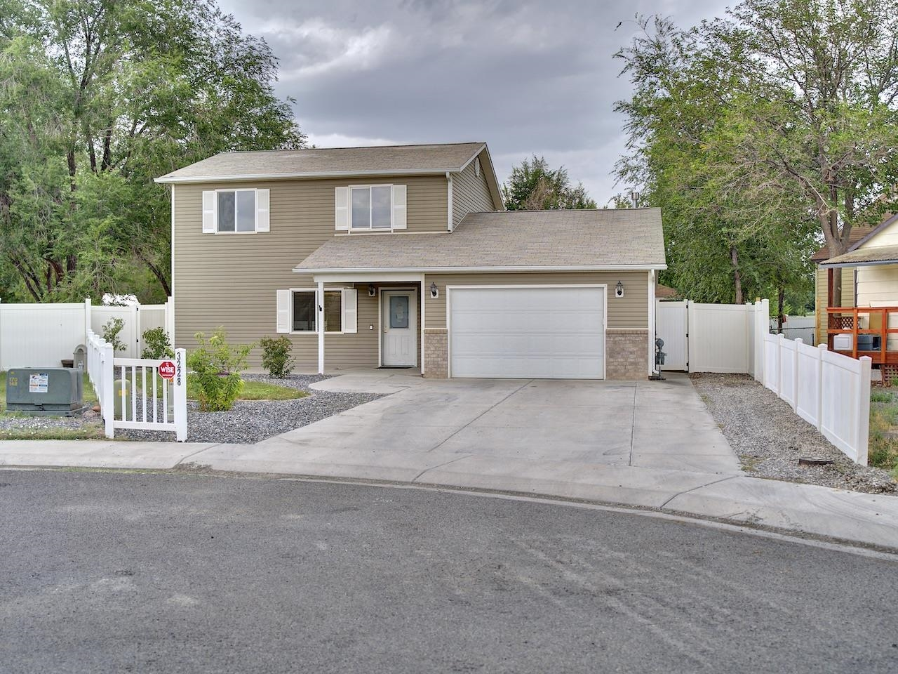 3228 Red Maple Court Property Photo 1