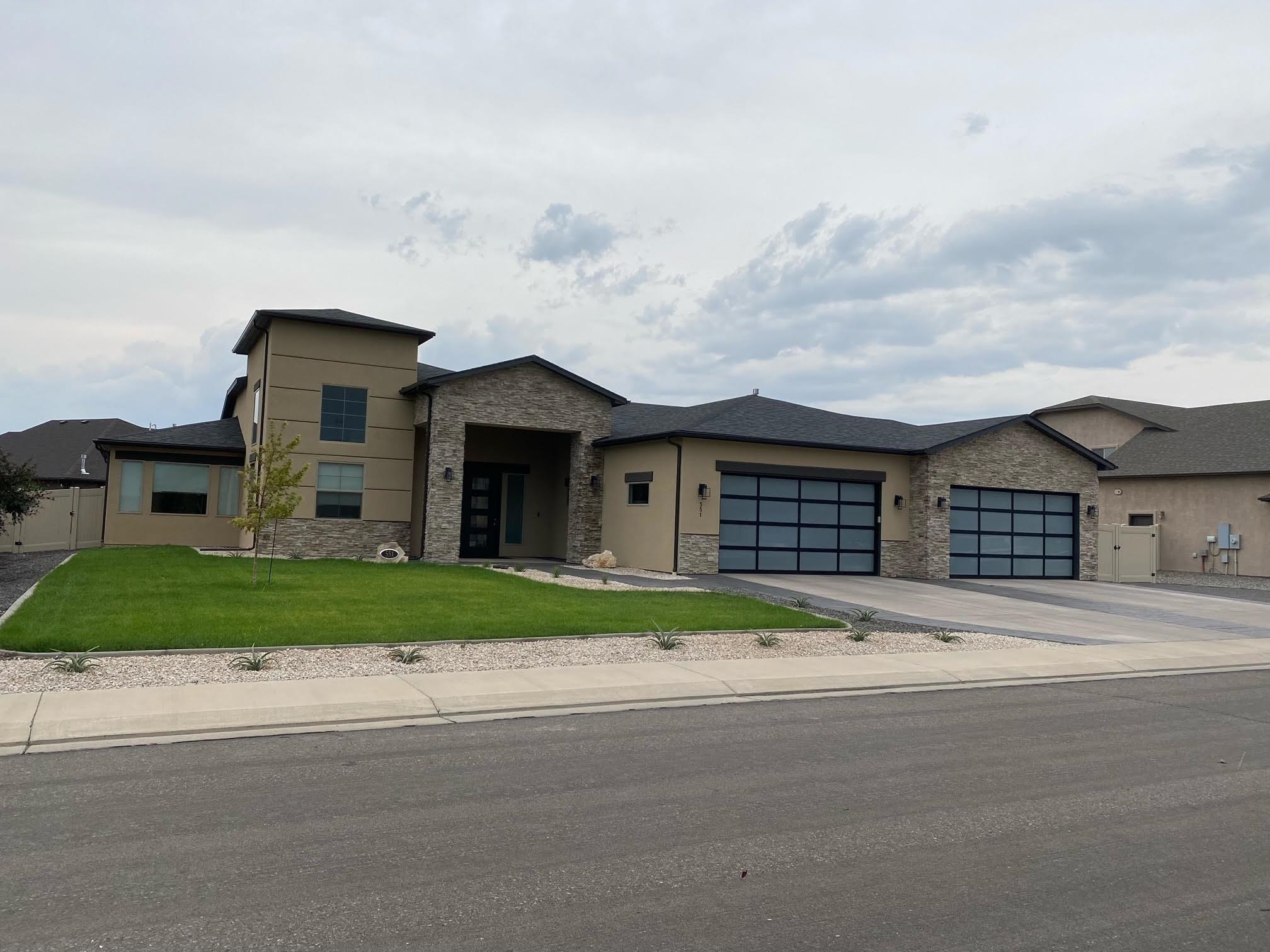 551 Lois Drive Property Photo 1
