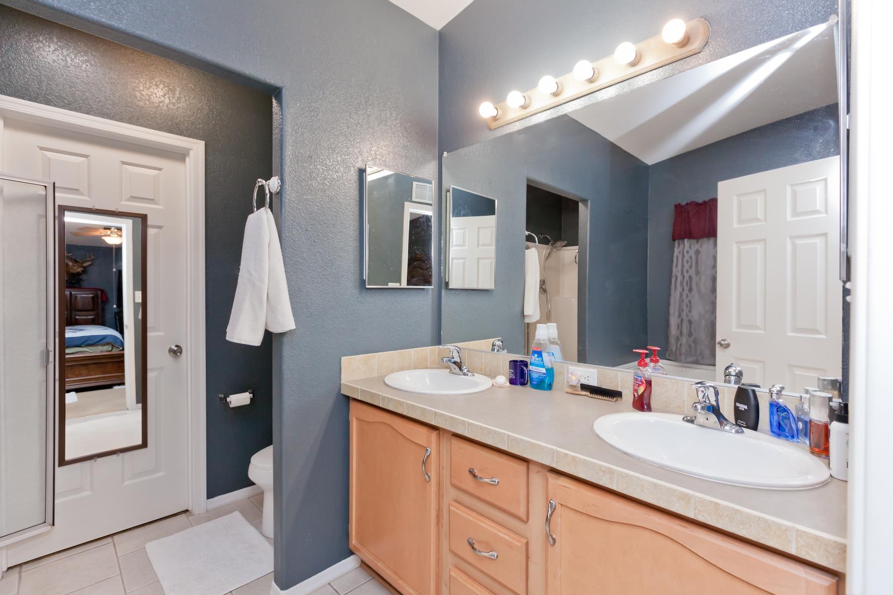 401 Pendleton Street Property Photo 14