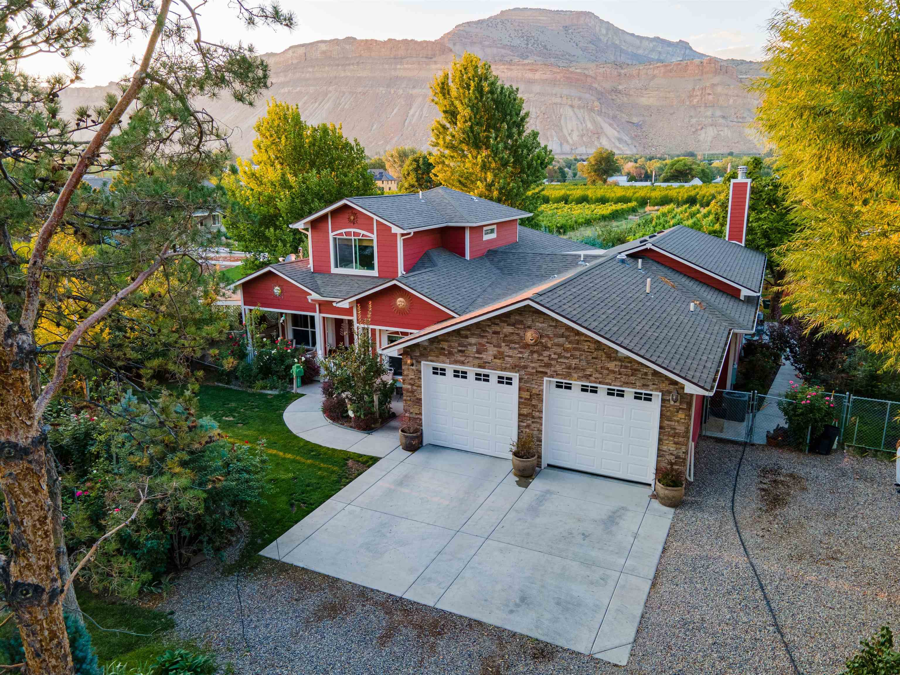 3832 G Road Property Photo 1