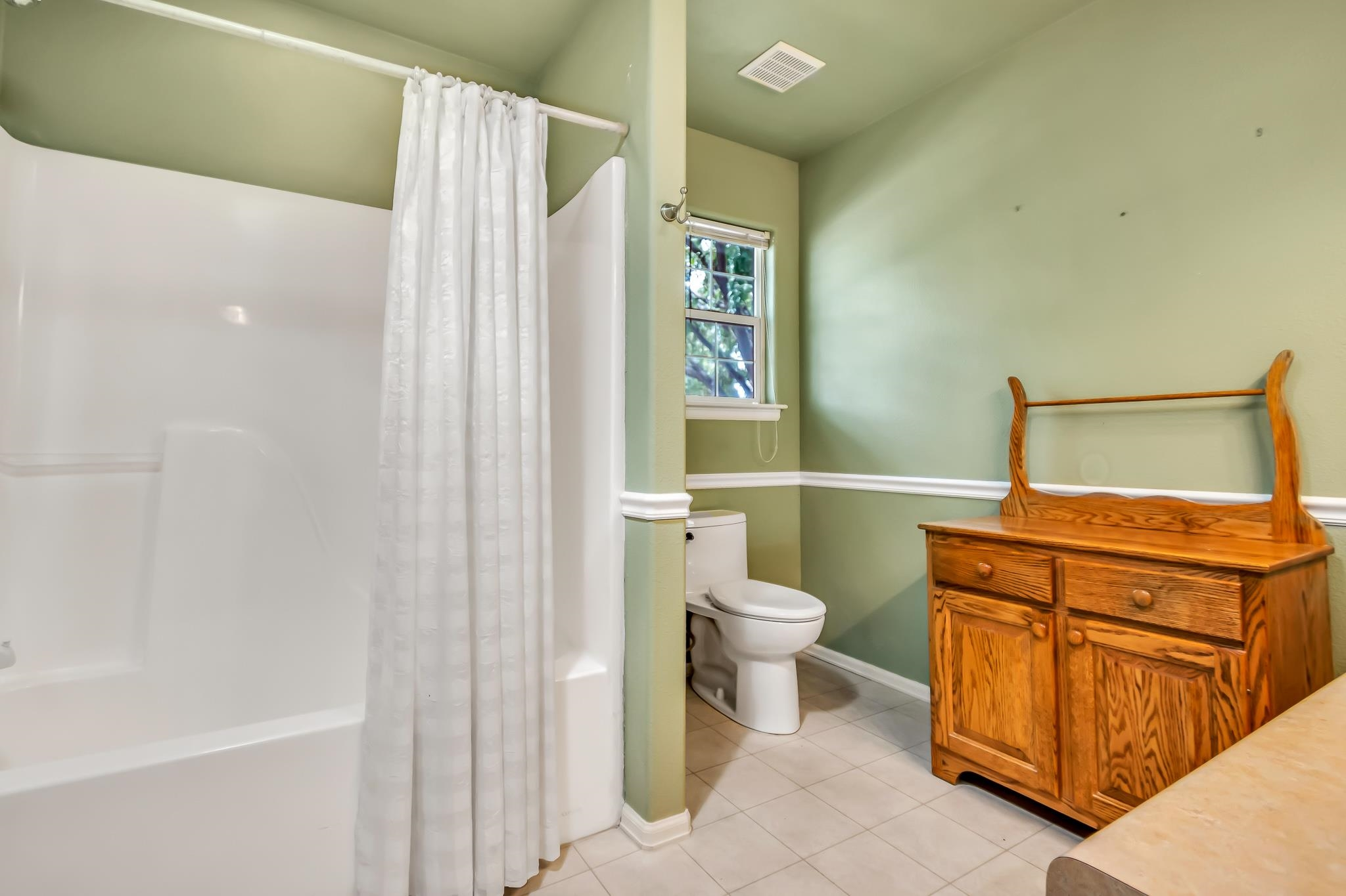 3153 Forrest Way Property Photo 14