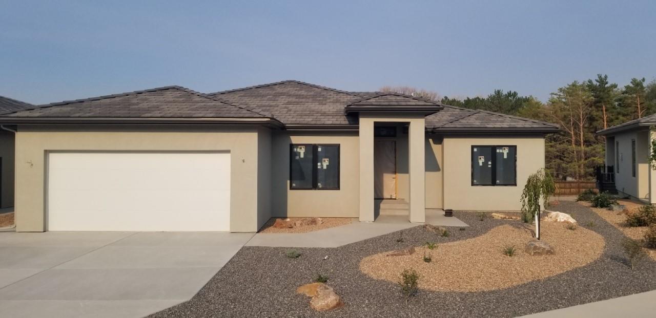468 Seasons Drive Property Photo 1
