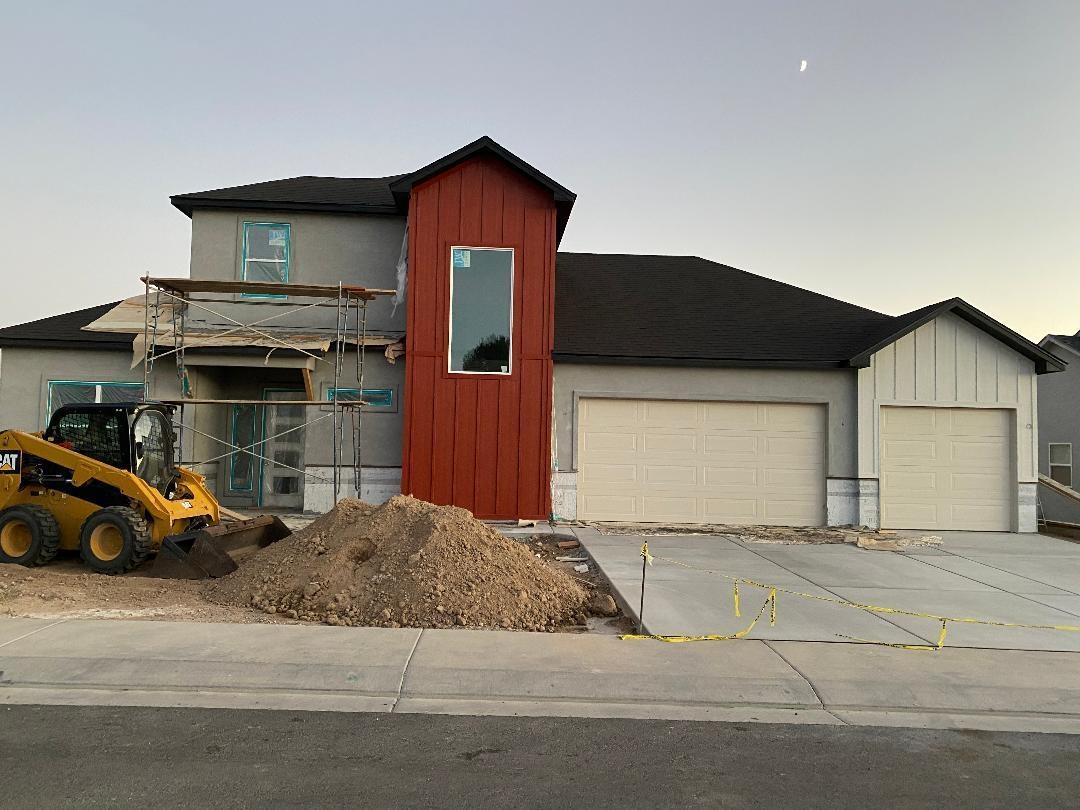 1462 Oak Creek Avenue Property Photo 1