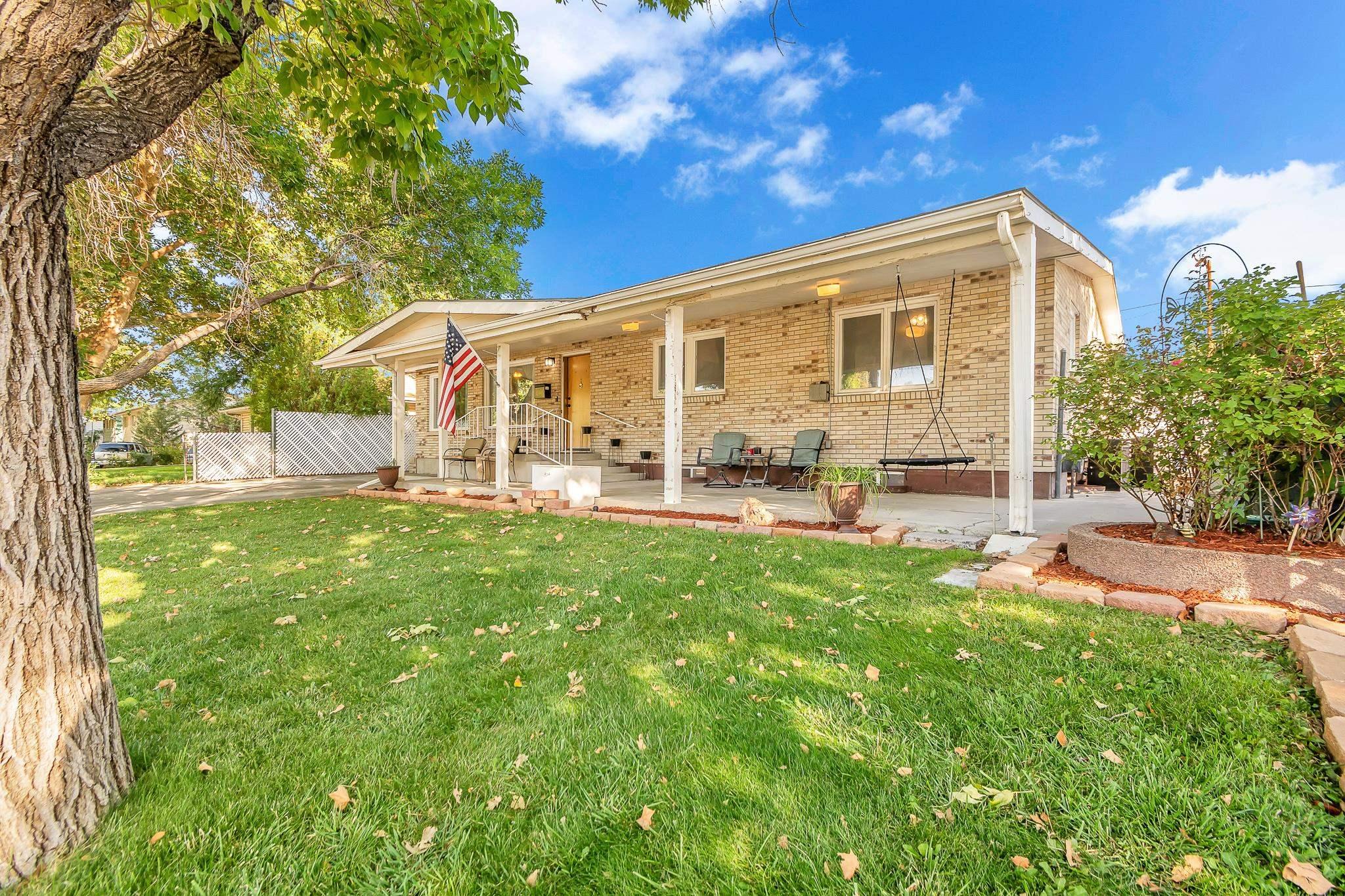 1020 Walnut Avenue Property Photo 1