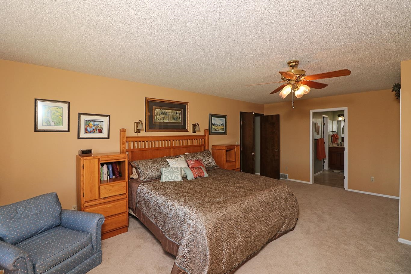 631 Rushmore Drive Property Photo 12