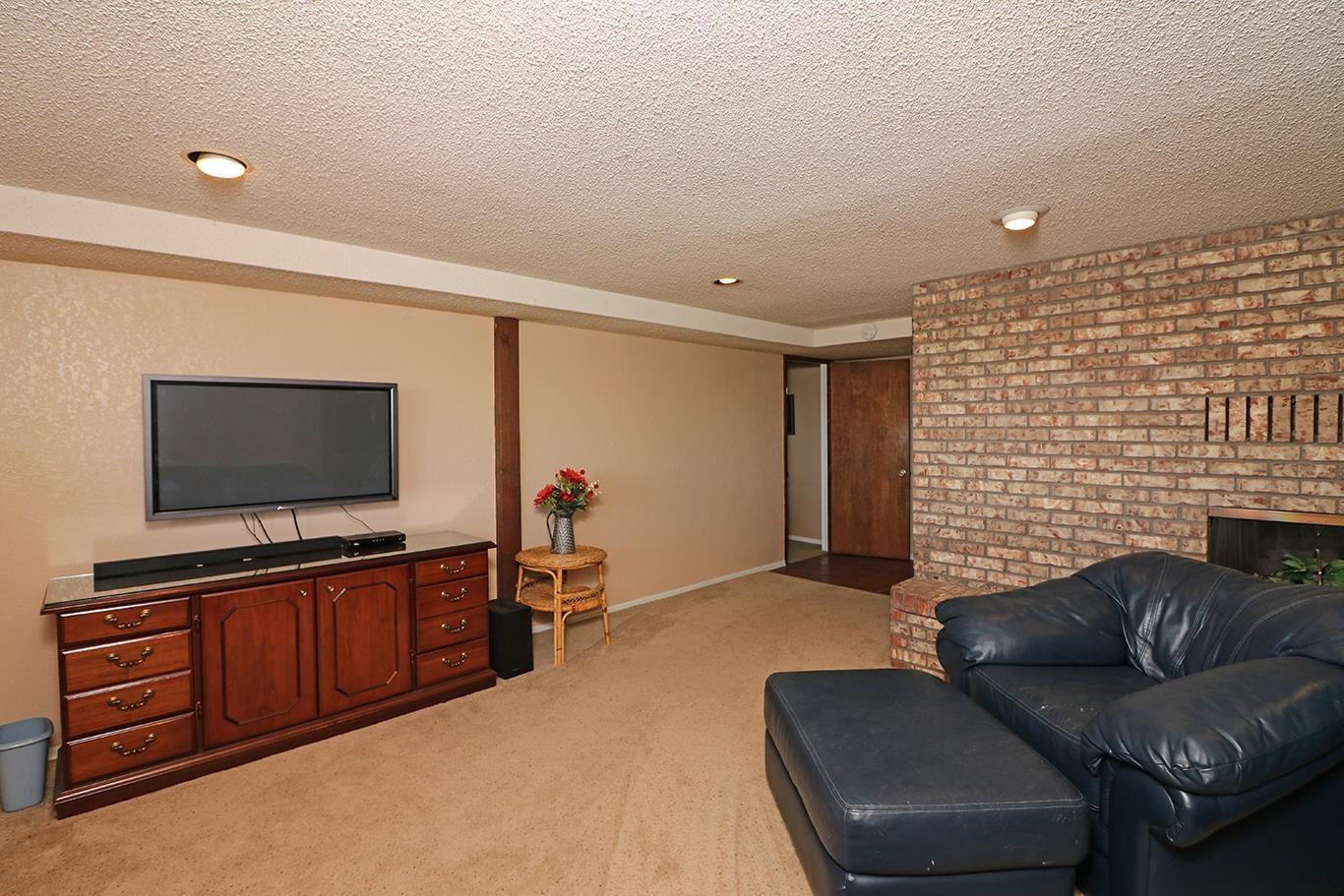 631 Rushmore Drive Property Photo 22