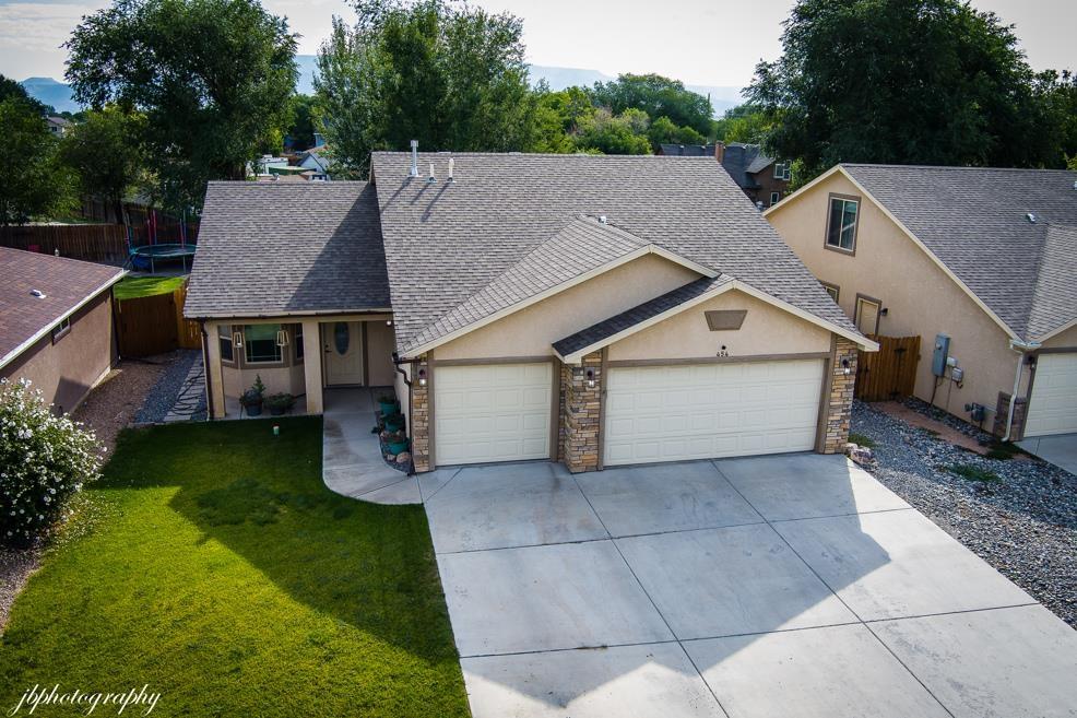454 Davis Road Property Photo 1