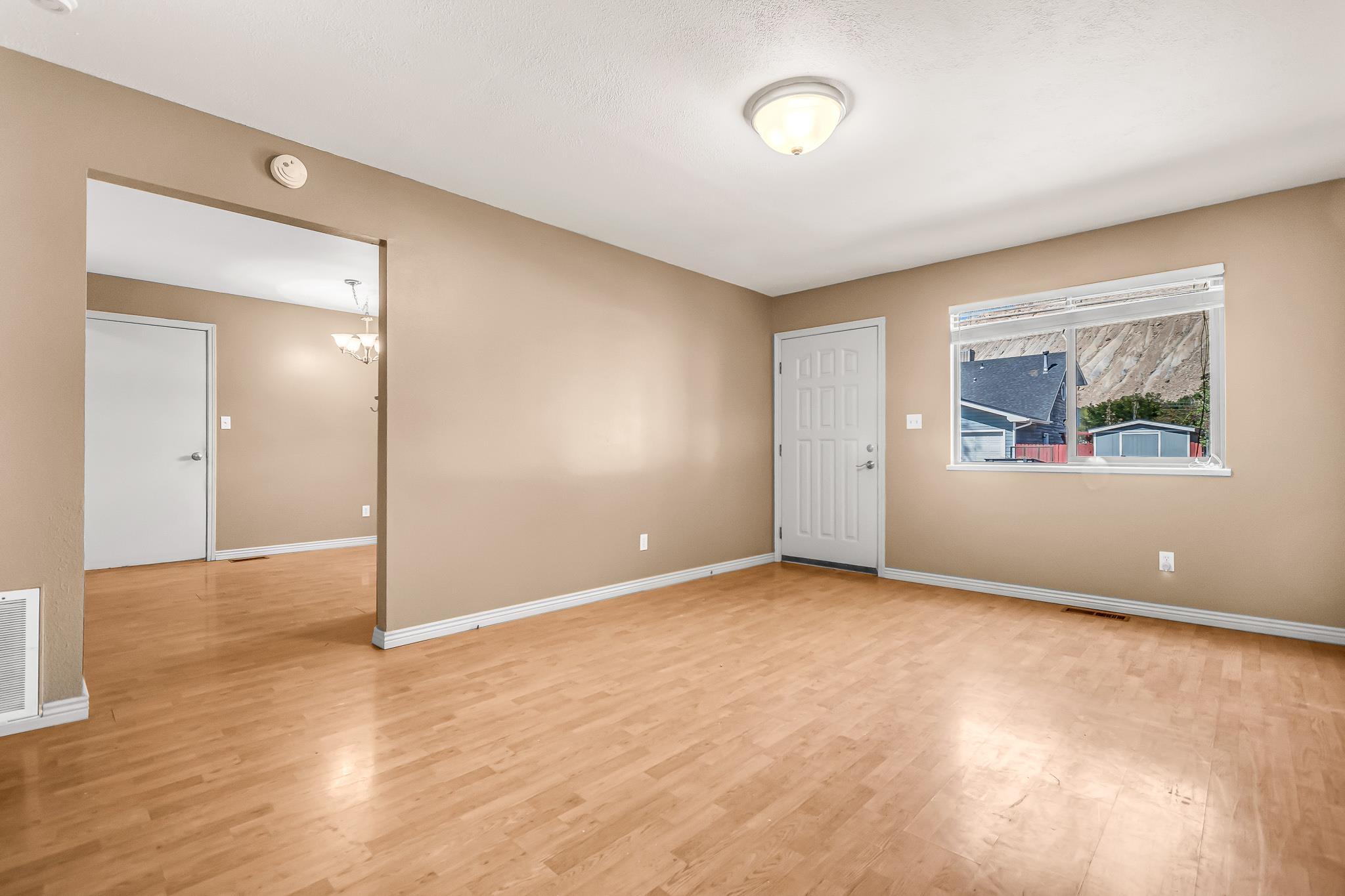 511 Crawford Lane Property Photo 4