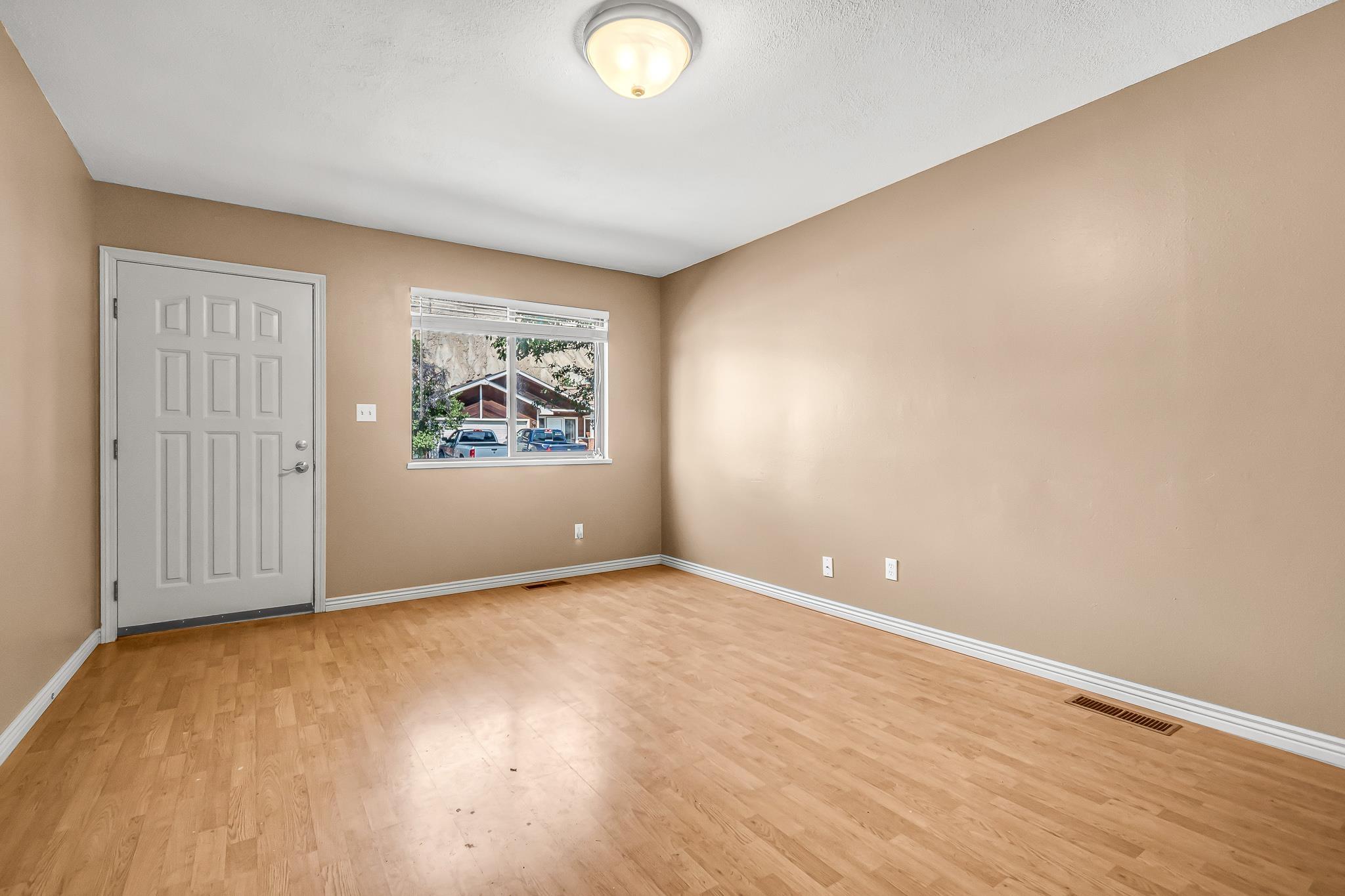 511 Crawford Lane Property Photo 5