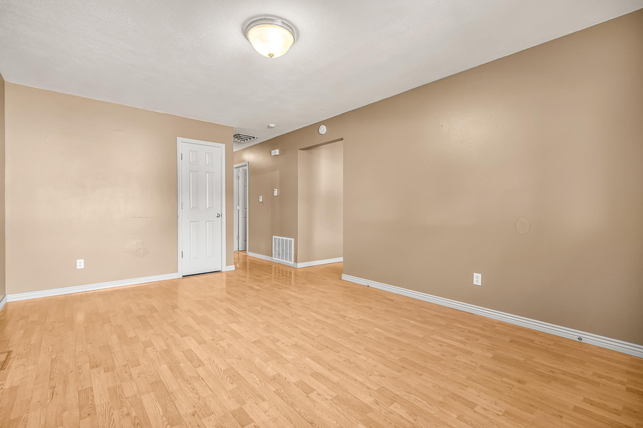 511 Crawford Lane Property Photo 6