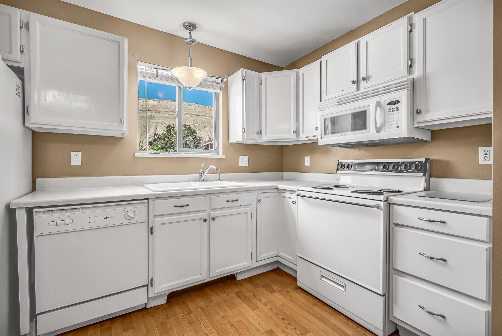 511 Crawford Lane Property Photo 8