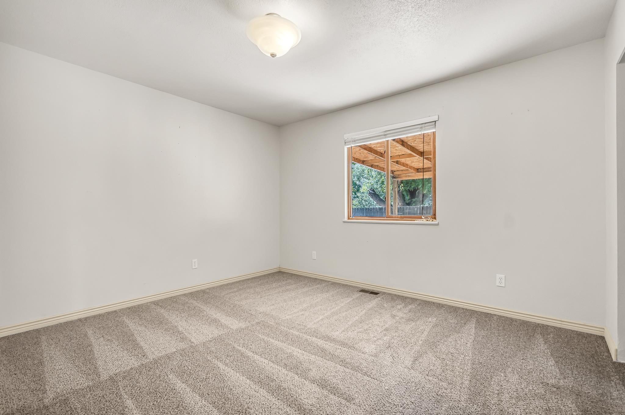 511 Crawford Lane Property Photo 18