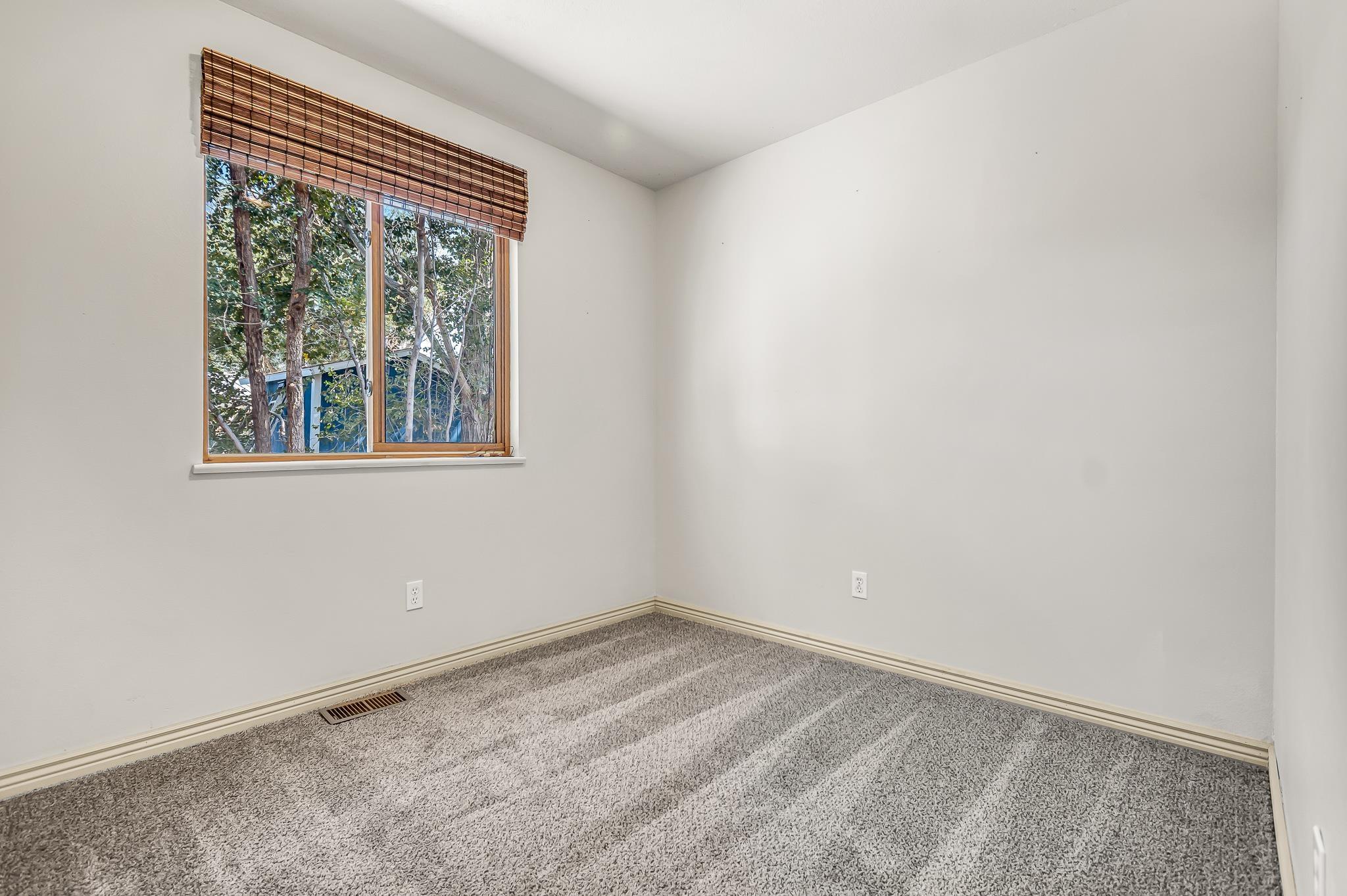 511 Crawford Lane Property Photo 20