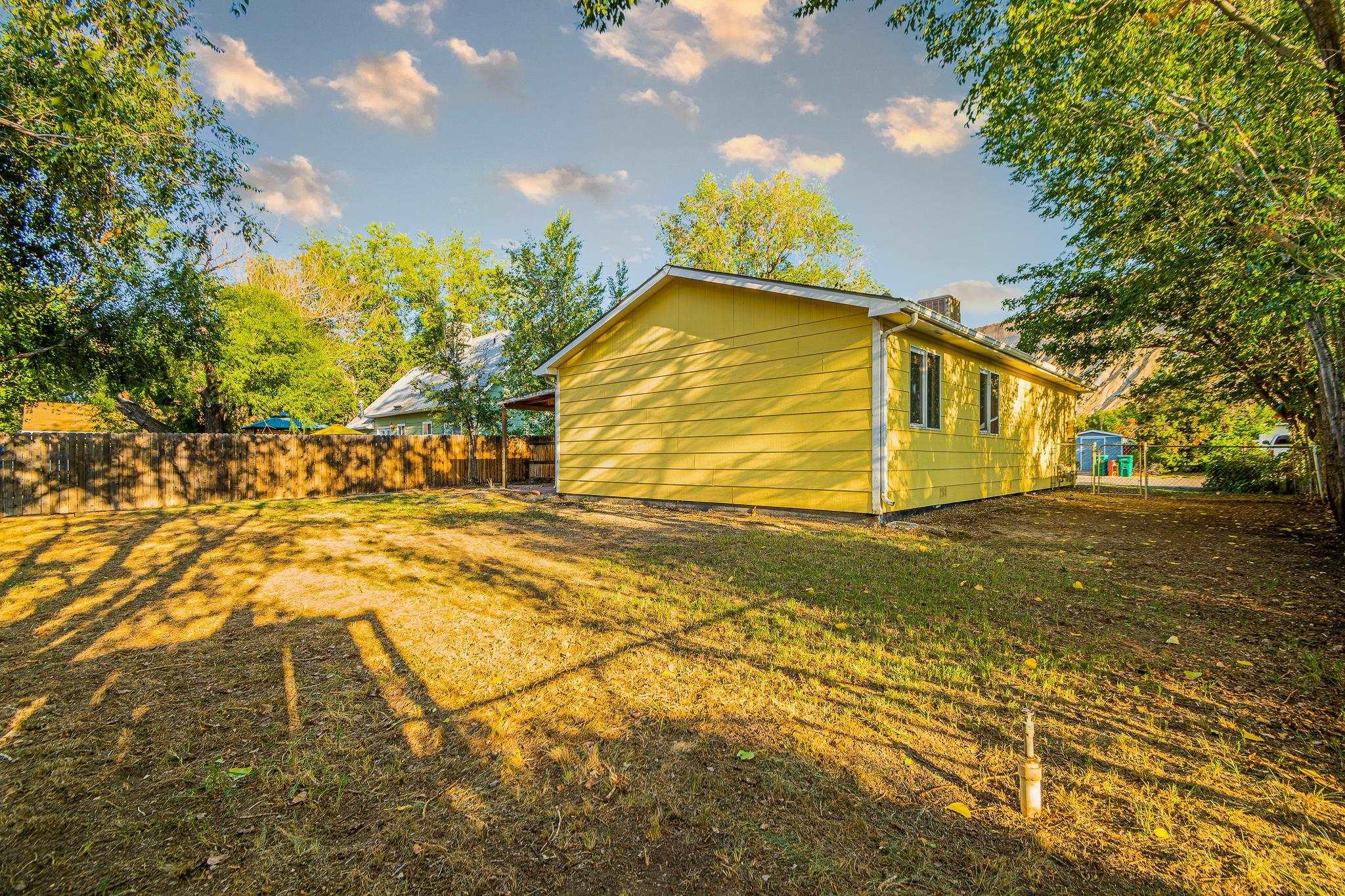 511 Crawford Lane Property Photo 24