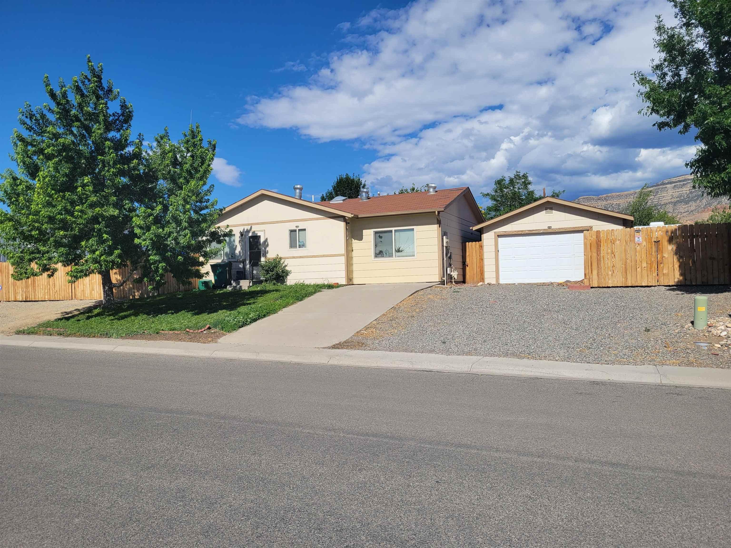 833 Logan Avenue Property Photo 1