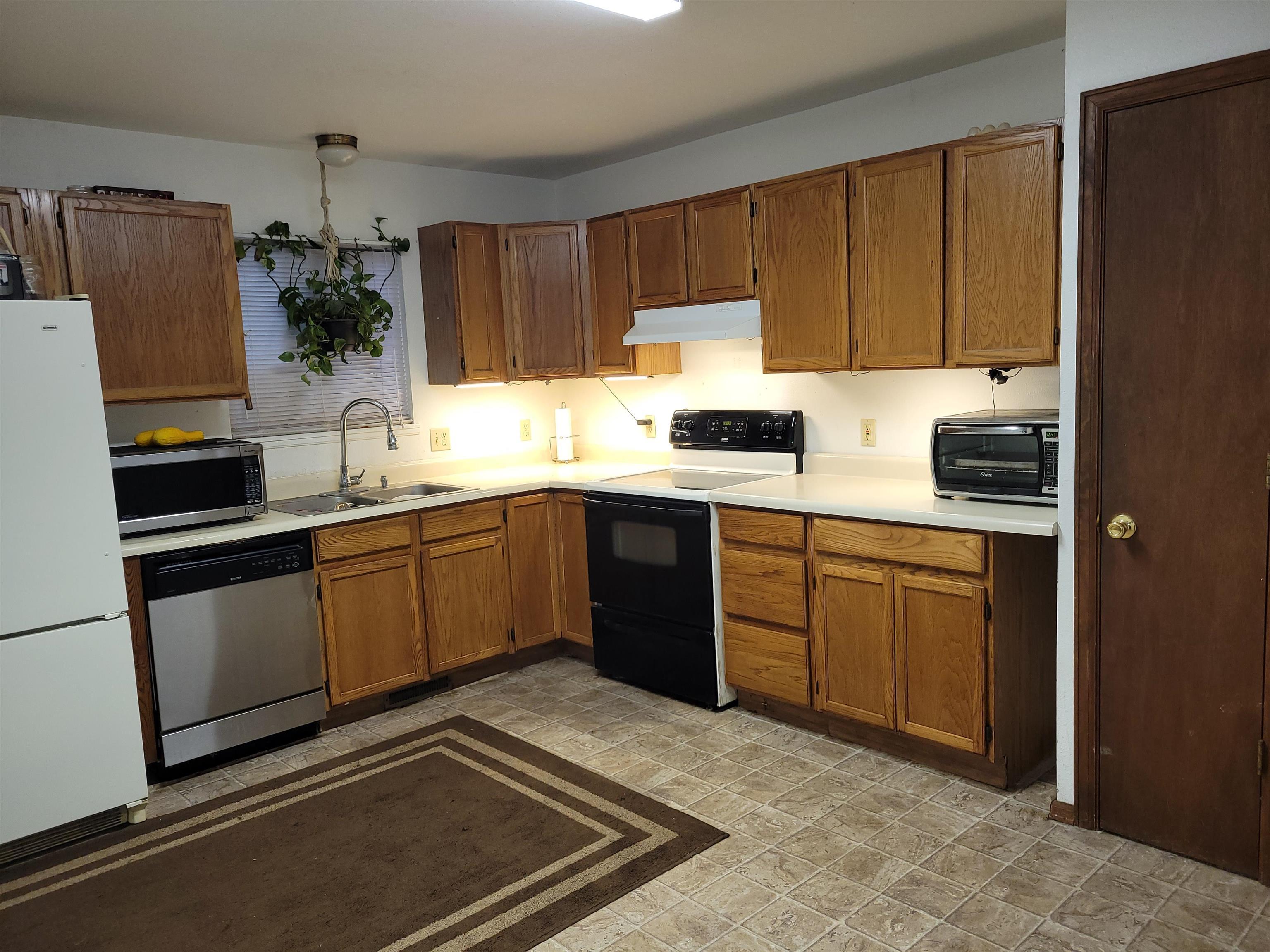 833 Logan Avenue Property Photo 2