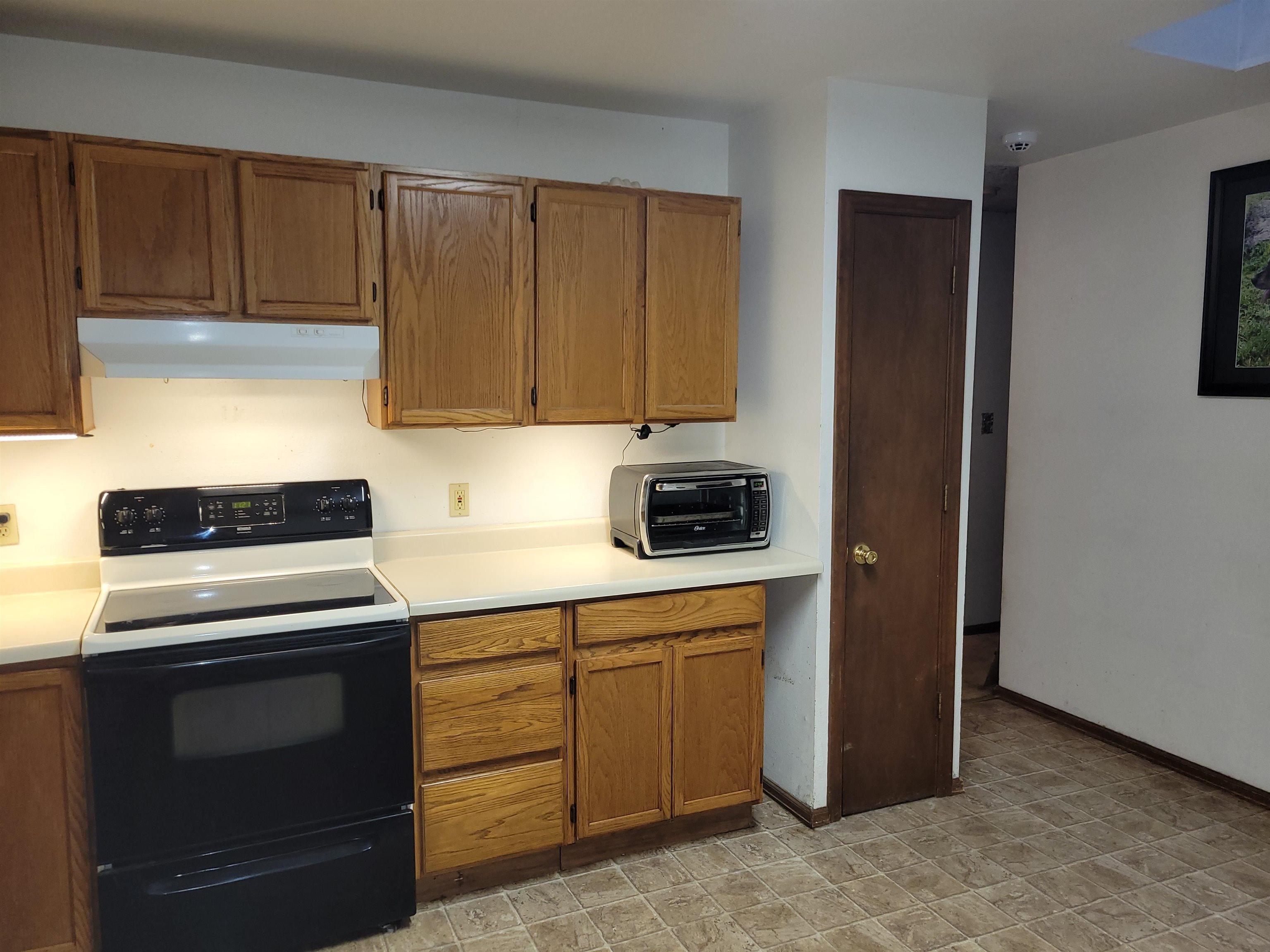 833 Logan Avenue Property Photo 3
