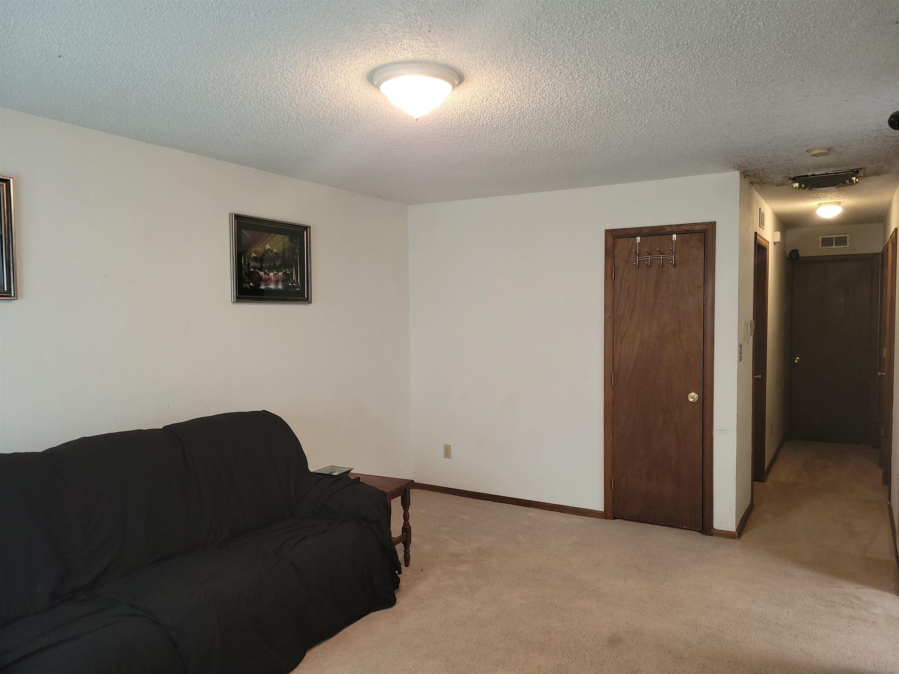 833 Logan Avenue Property Photo 9
