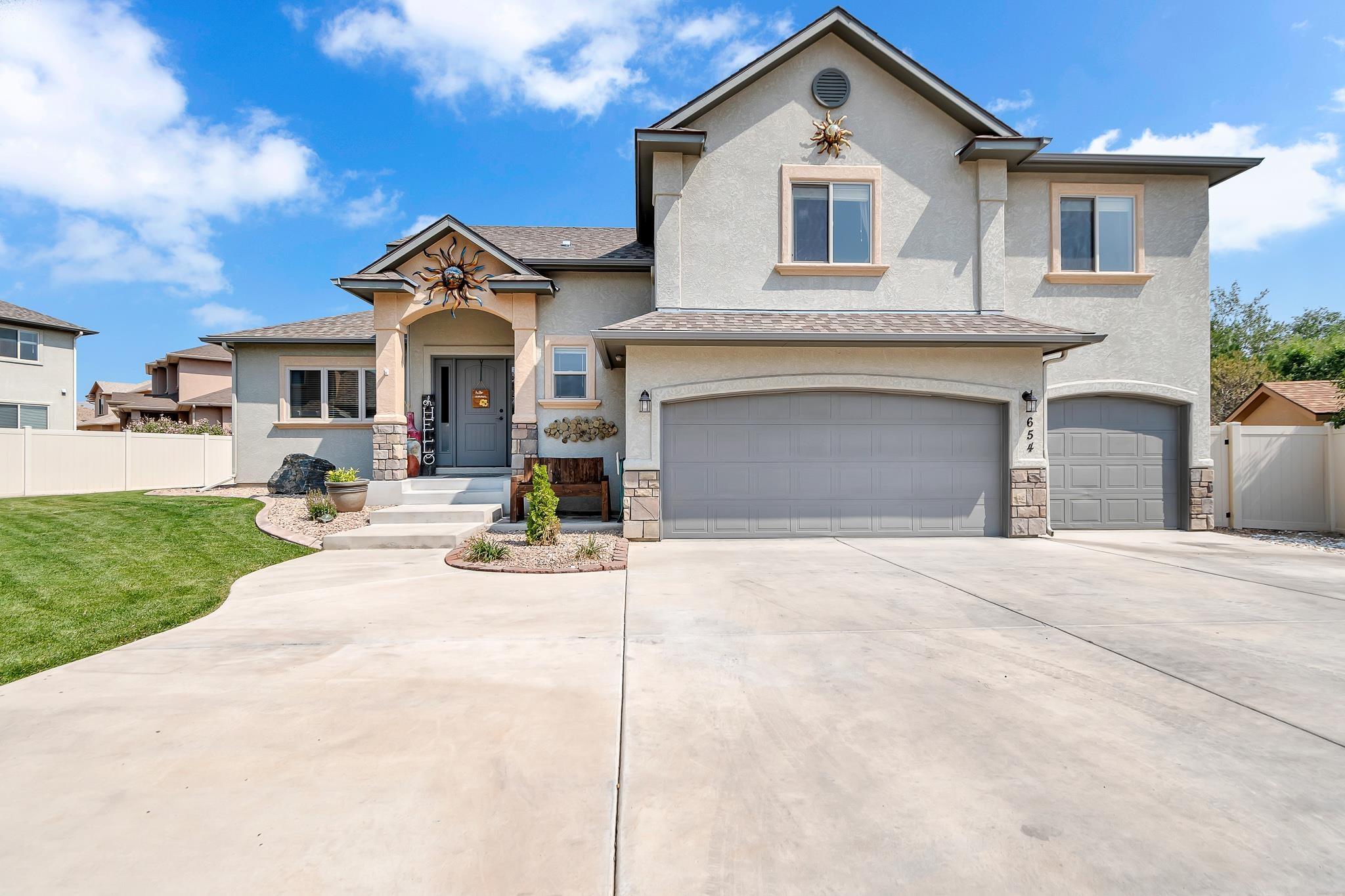 654 Cloverglen Drive Property Photo 1