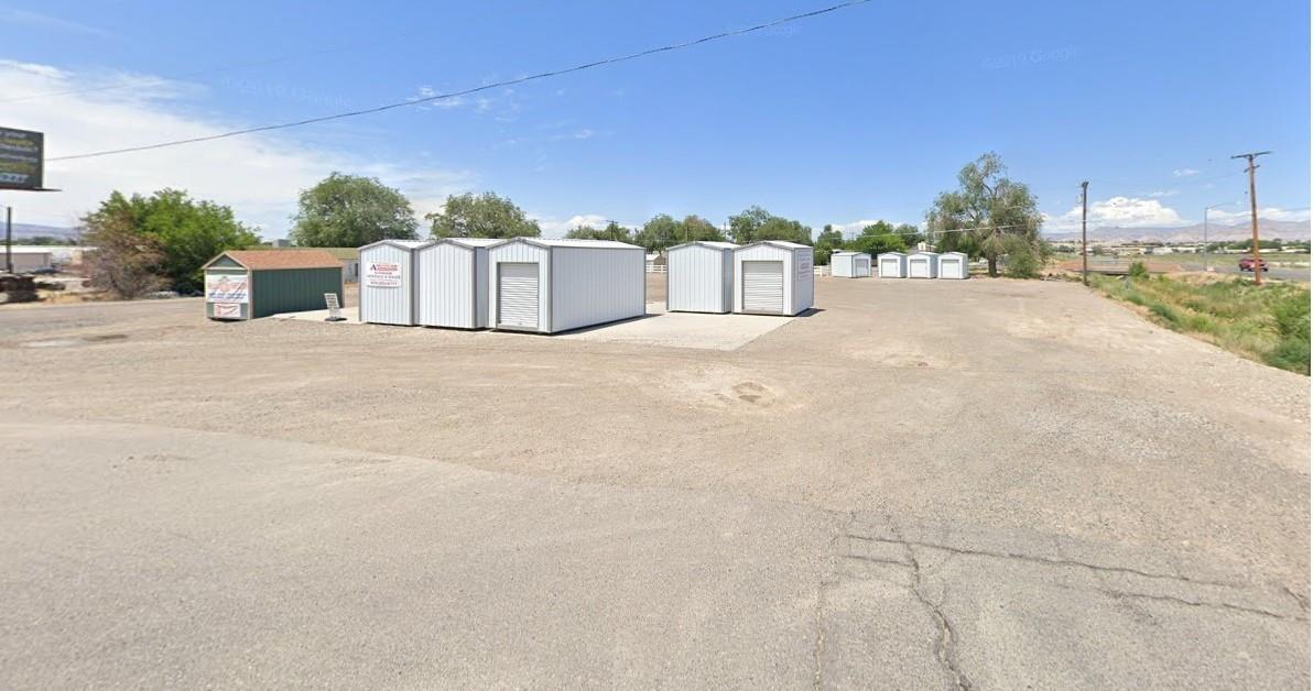 2701 Grand Avenue Property Photo 1