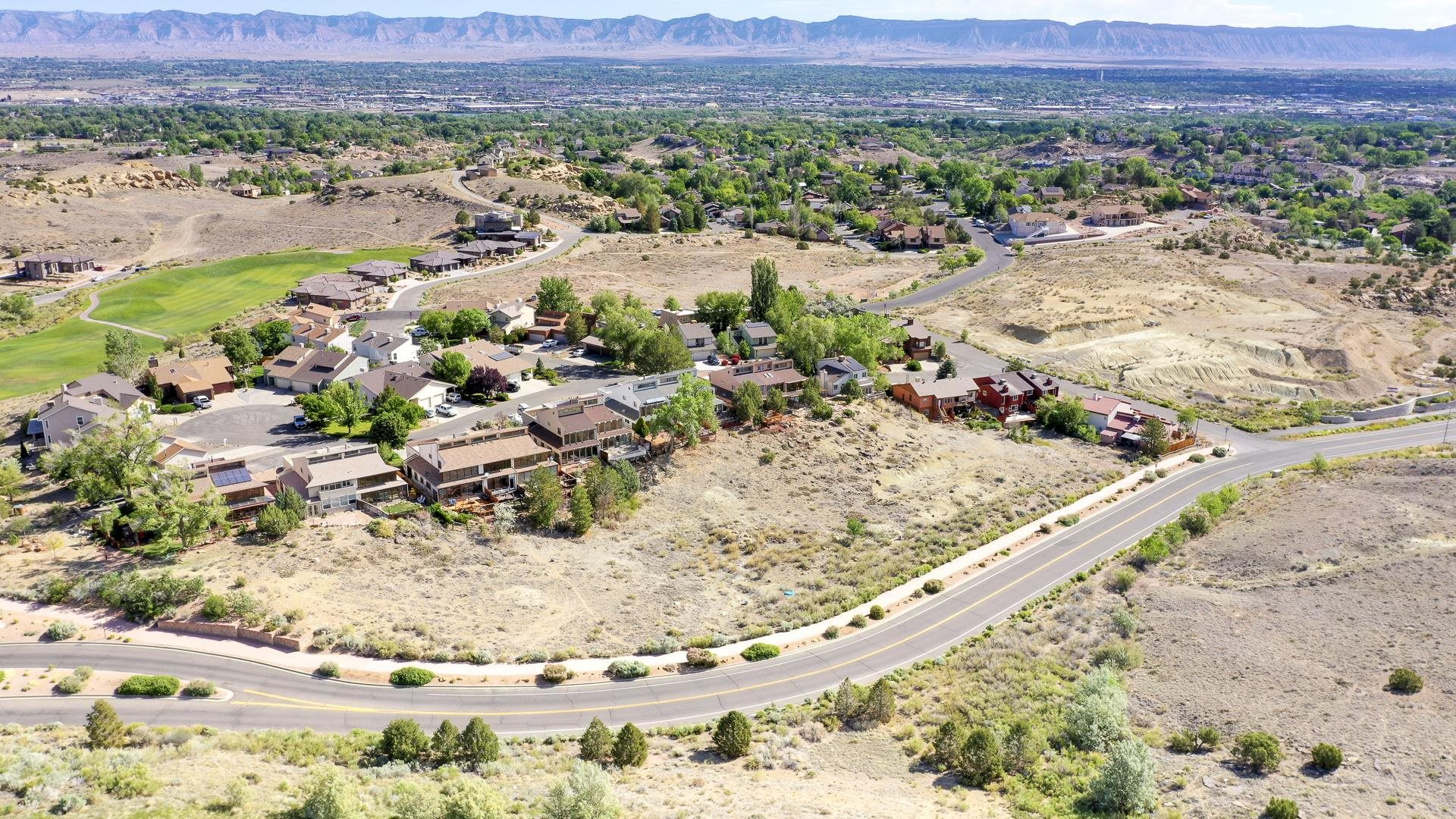 365 W Ridges Boulevard Property Photo 12