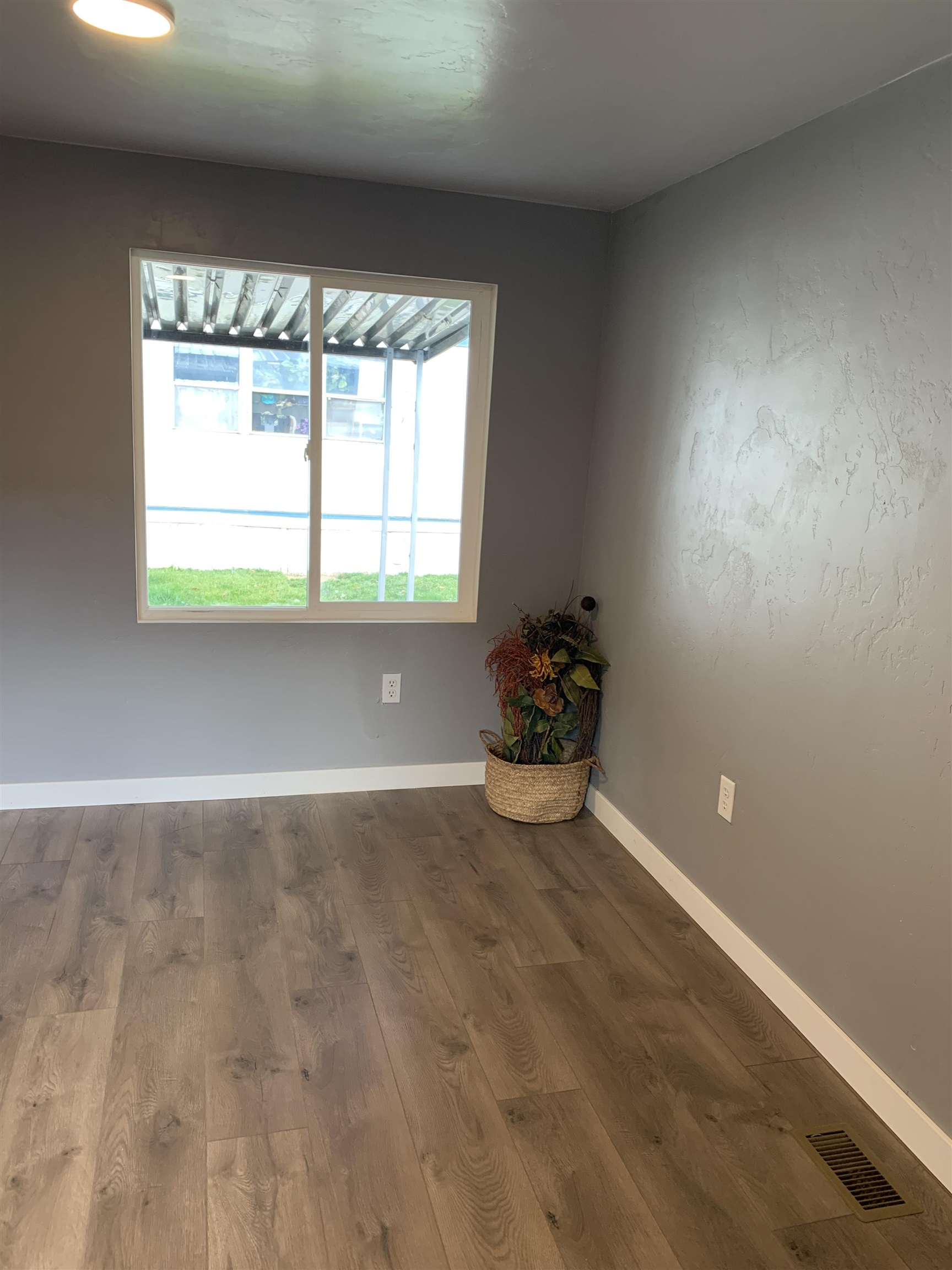 131 N Bower Avenue Property Photo 8