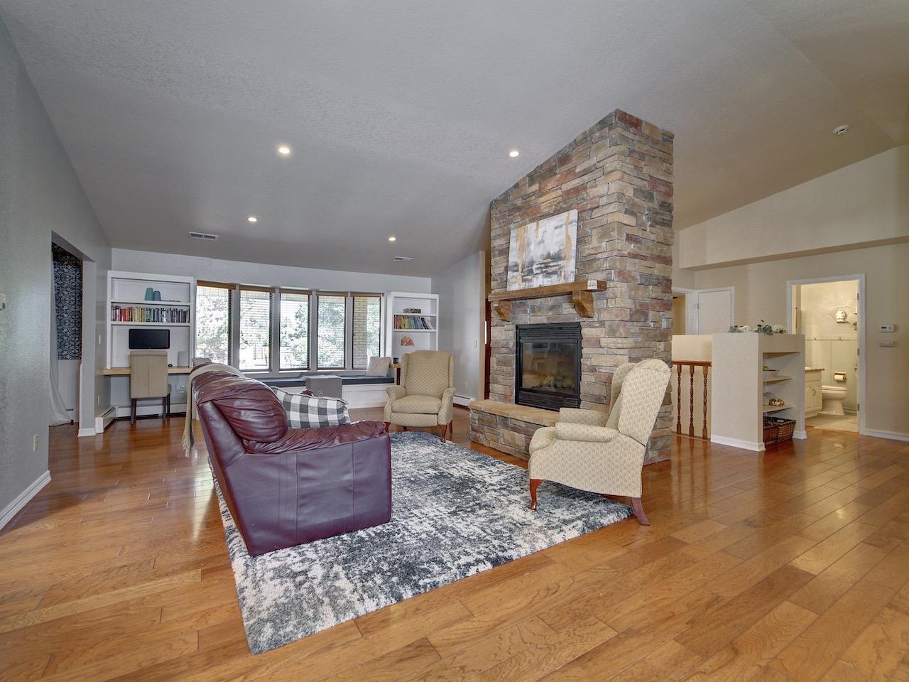 2039 N Surrey Court Property Photo 15