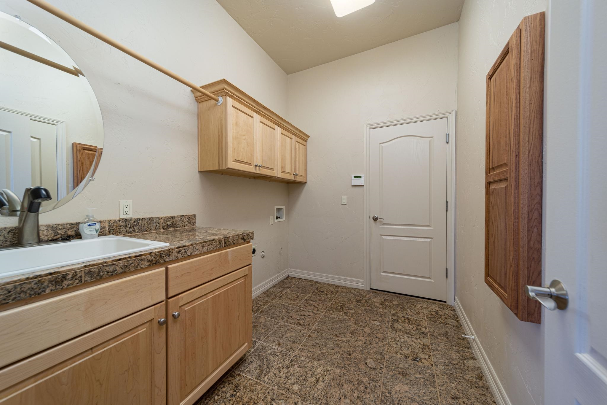 2372 Claystone Court Property Photo 31