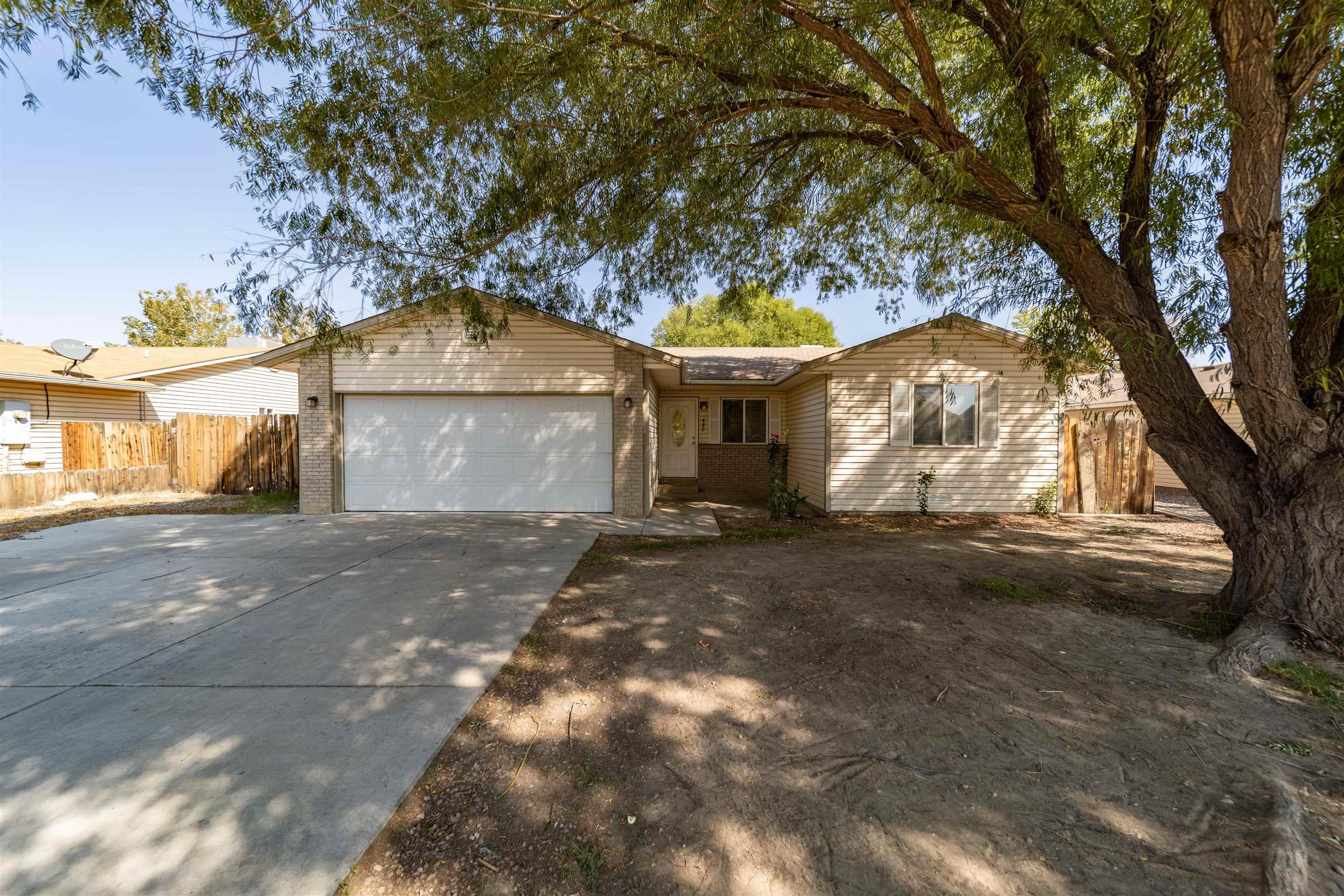 482 Aspen Grove Drive Property Photo 1