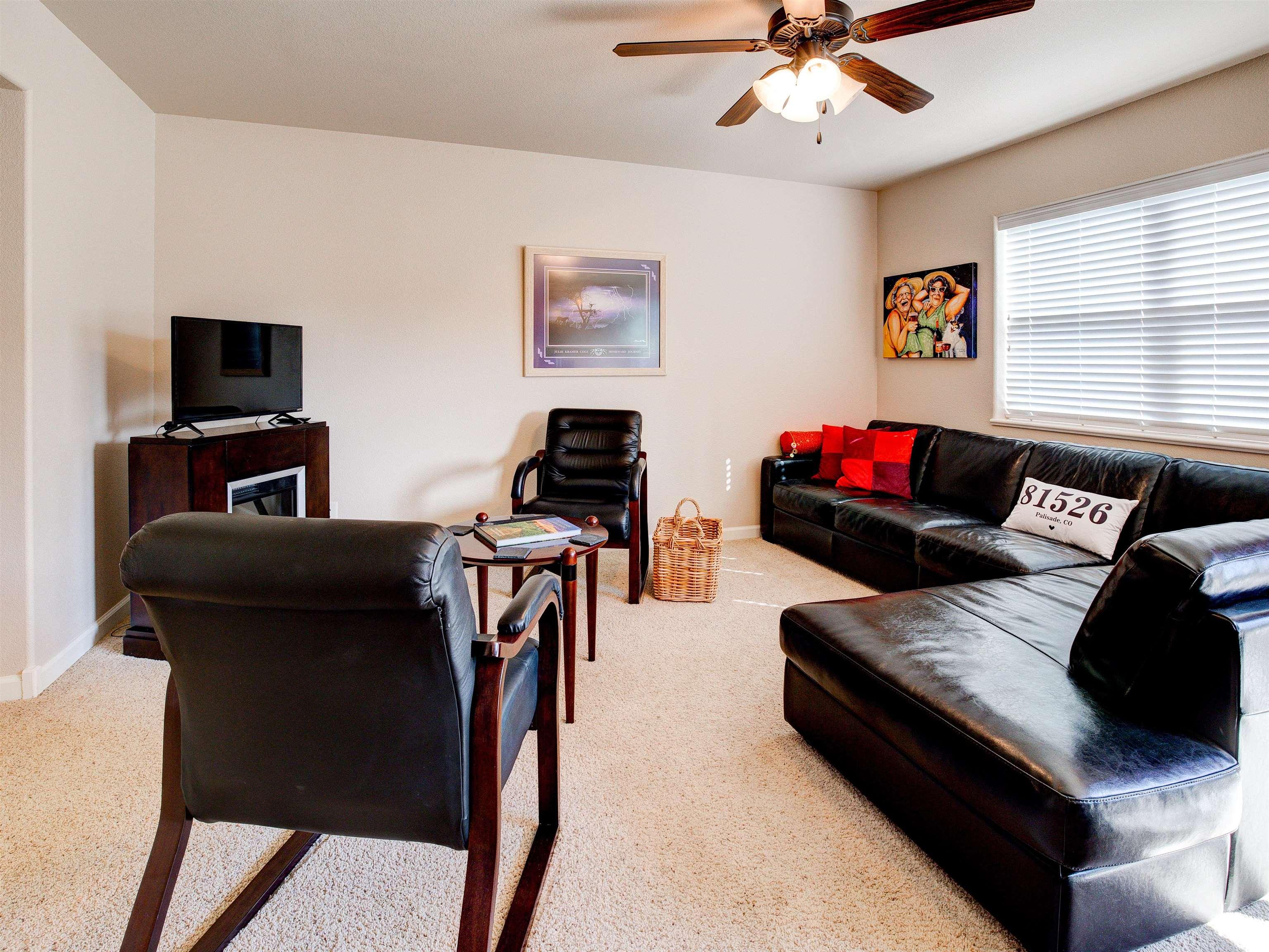 817 Montclair Drive Property Photo 4