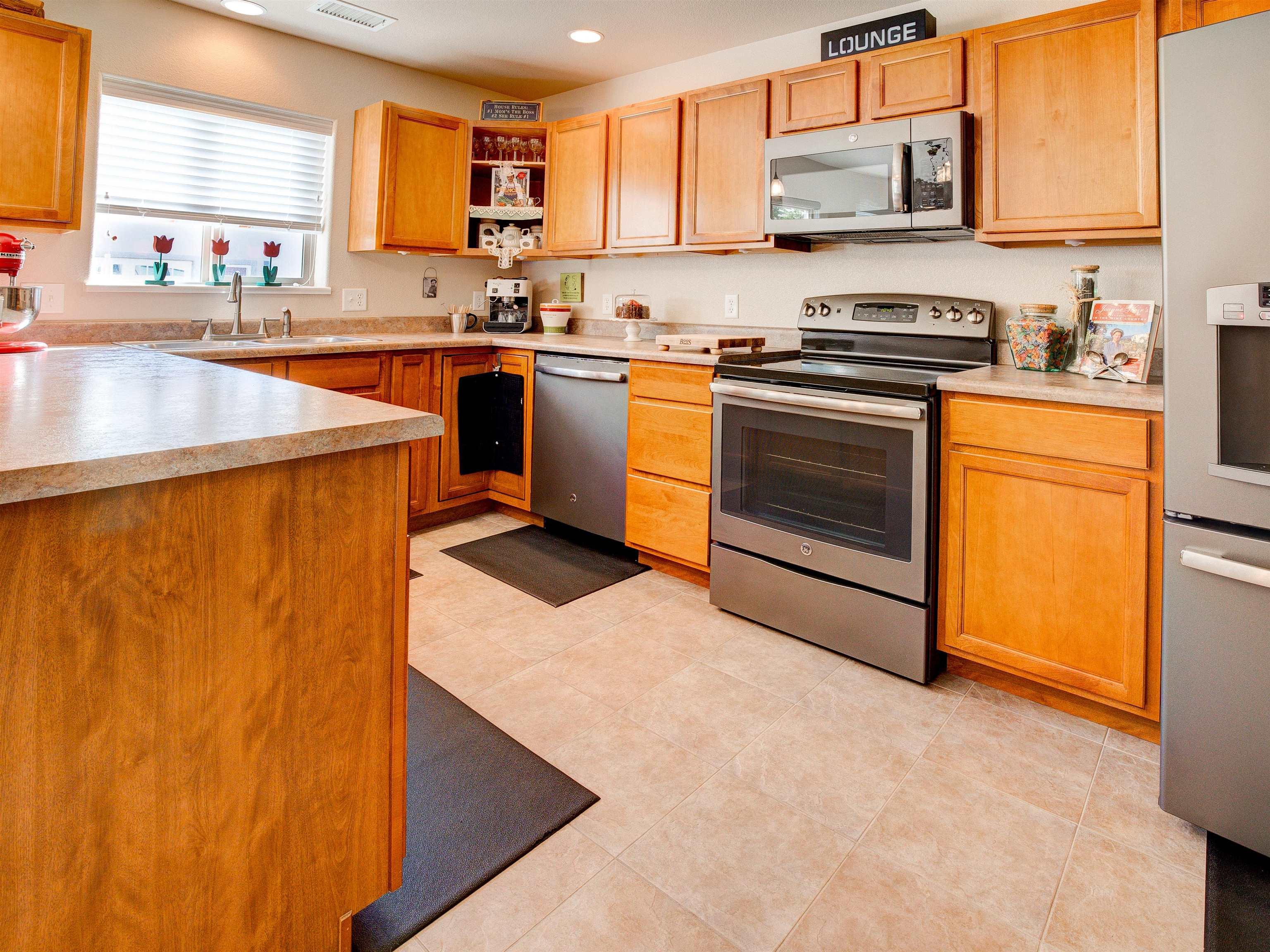 817 Montclair Drive Property Photo 8