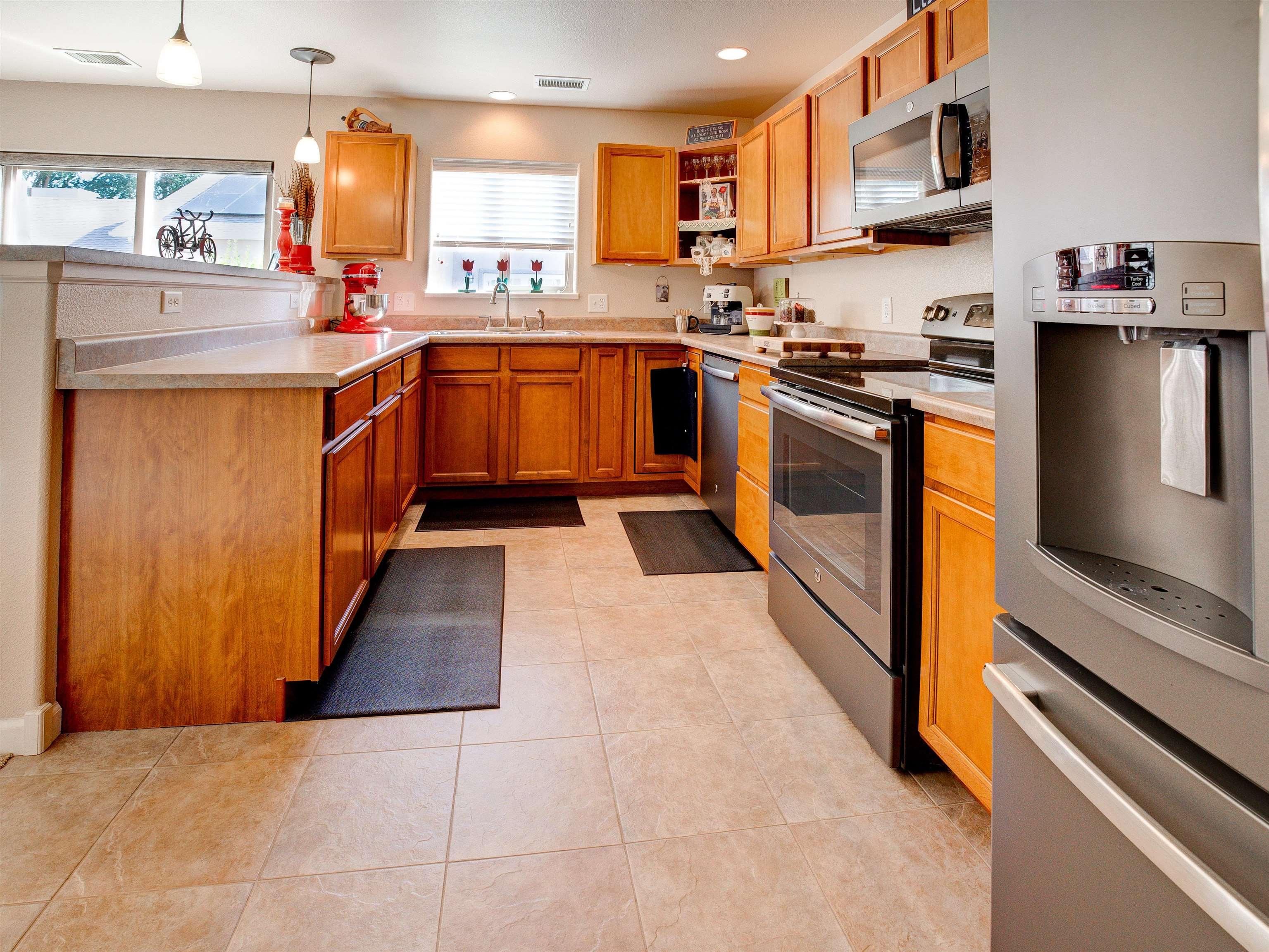 817 Montclair Drive Property Photo 9