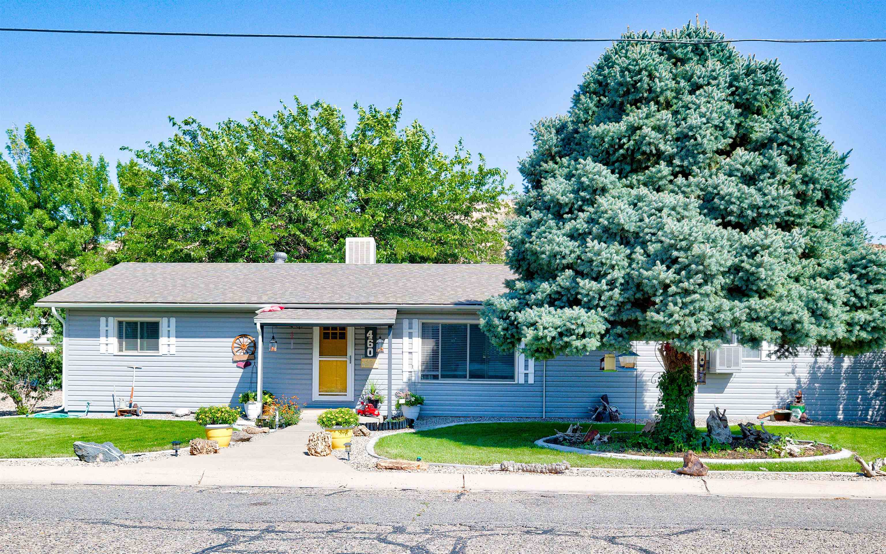 460 W 6th Street Property Photo 1