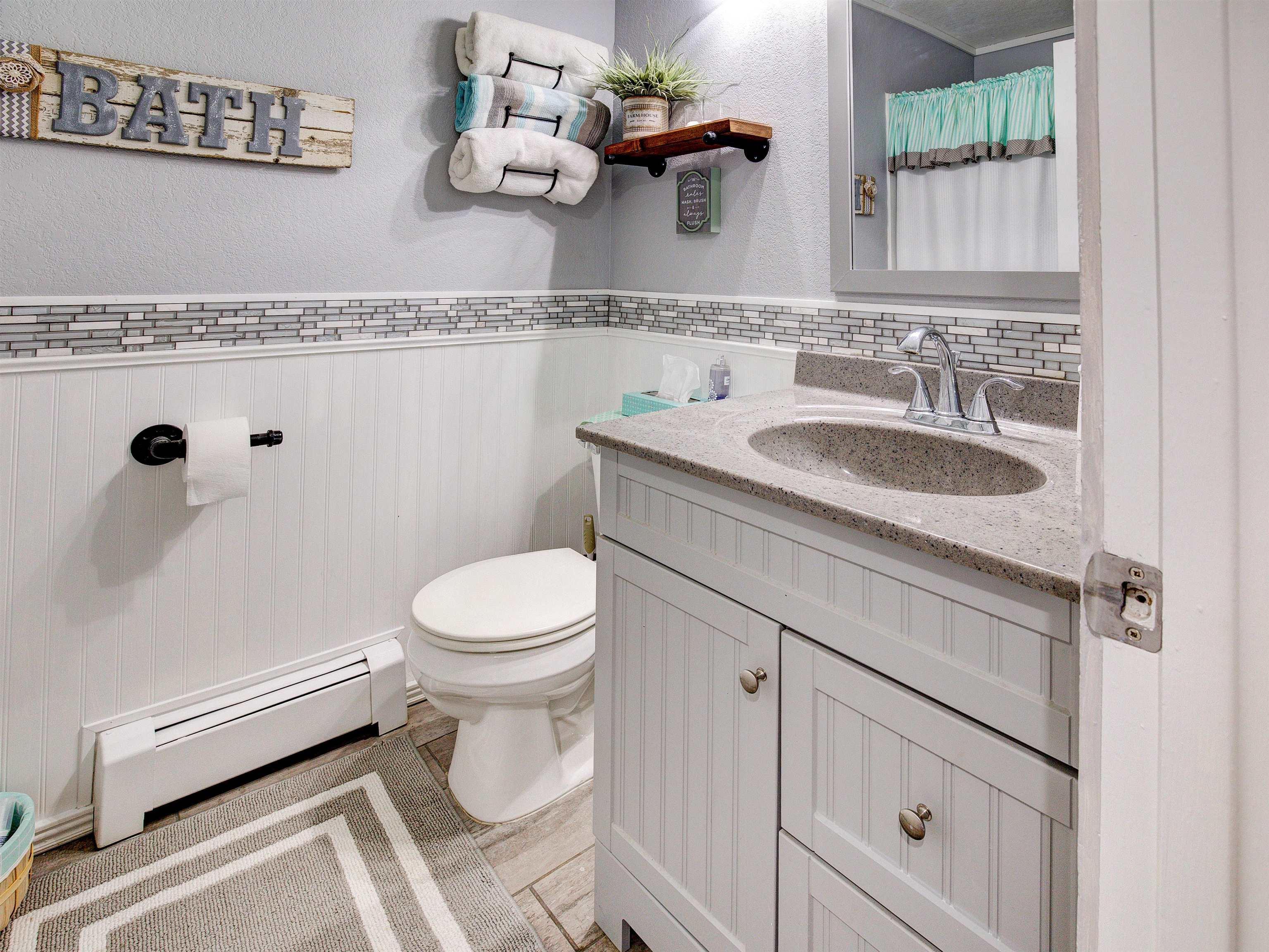 460 W 6th Street Property Photo 15