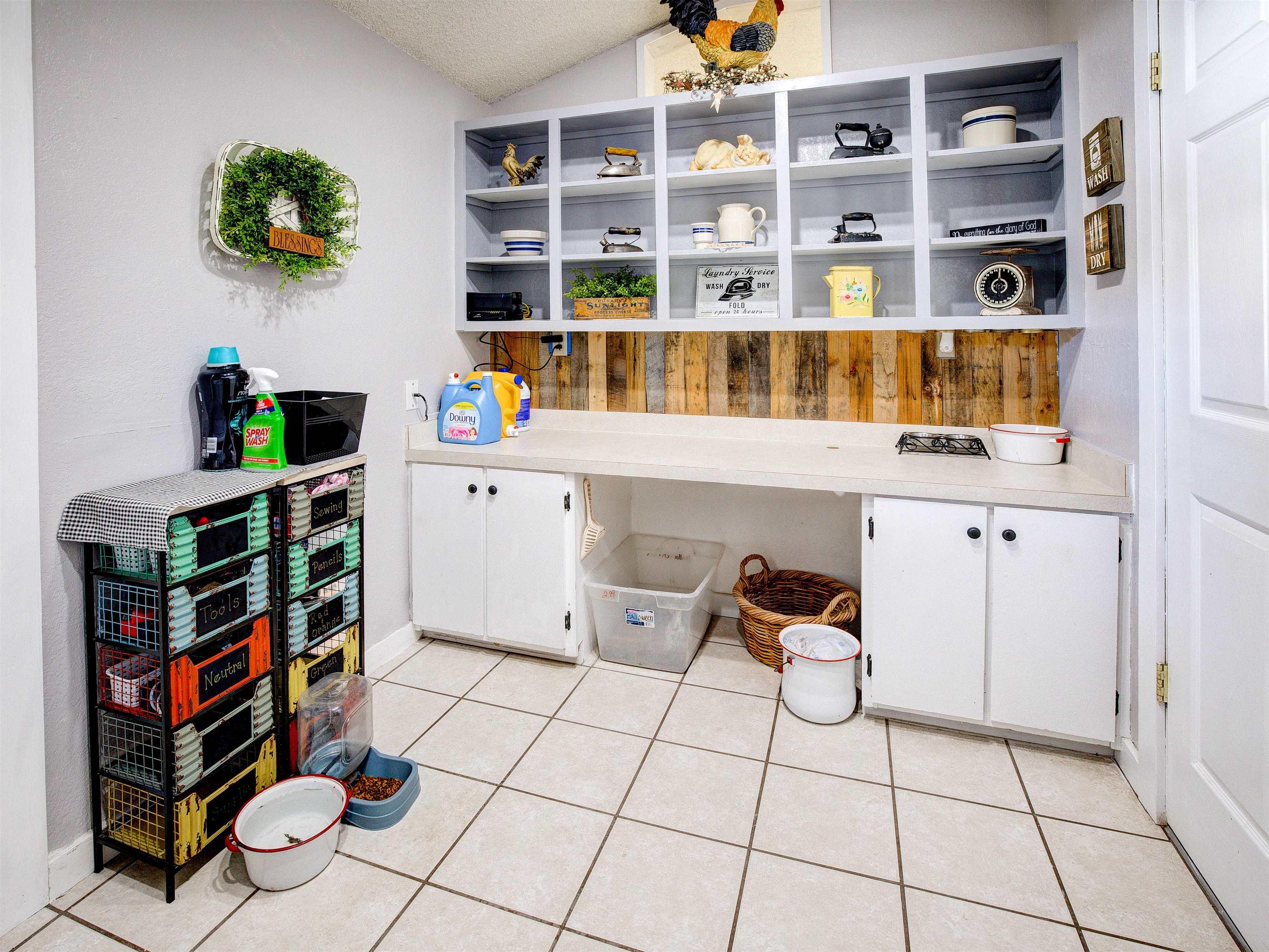 460 W 6th Street Property Photo 21