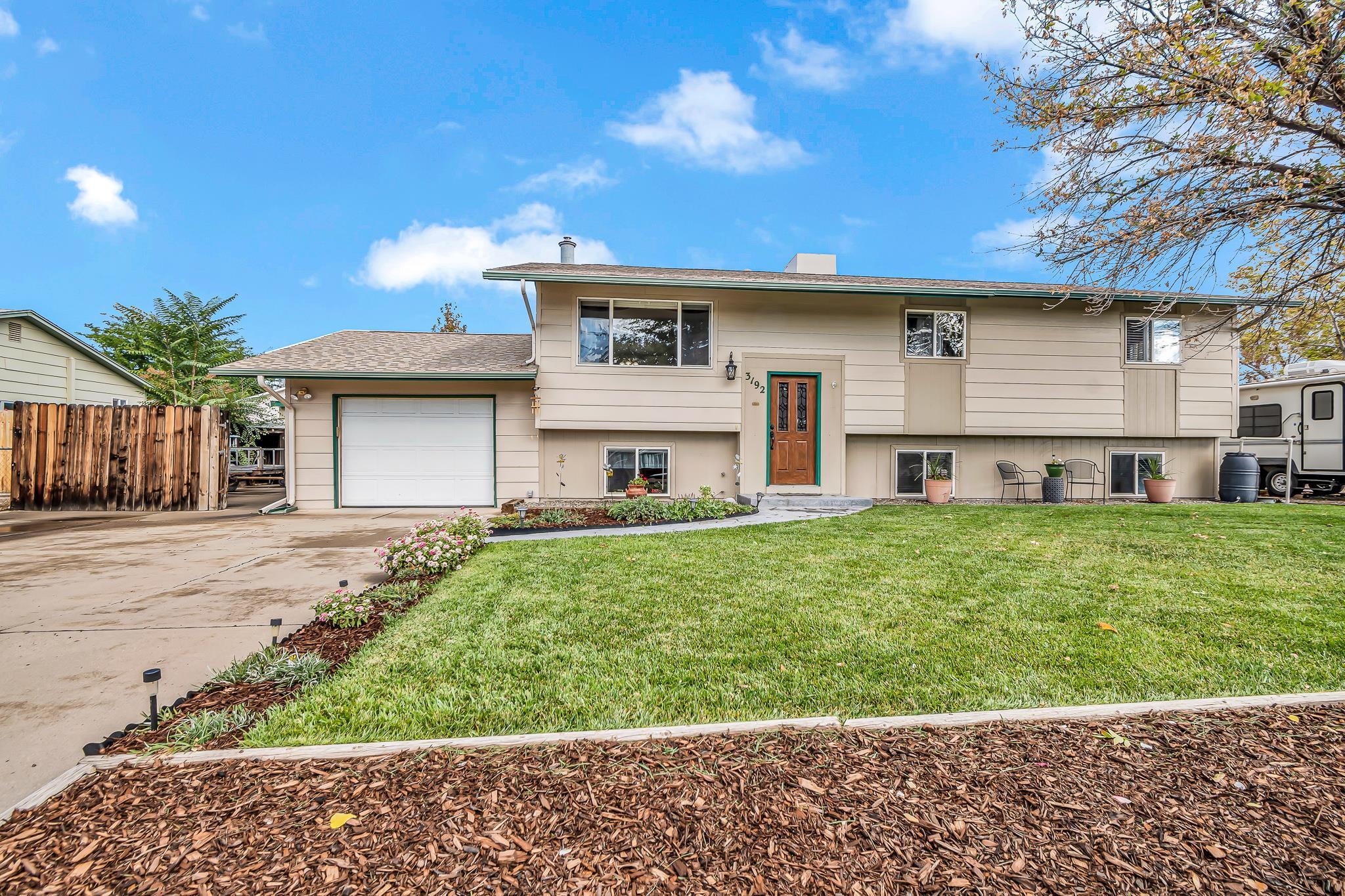 3192 Bunting Avenue Property Photo 1