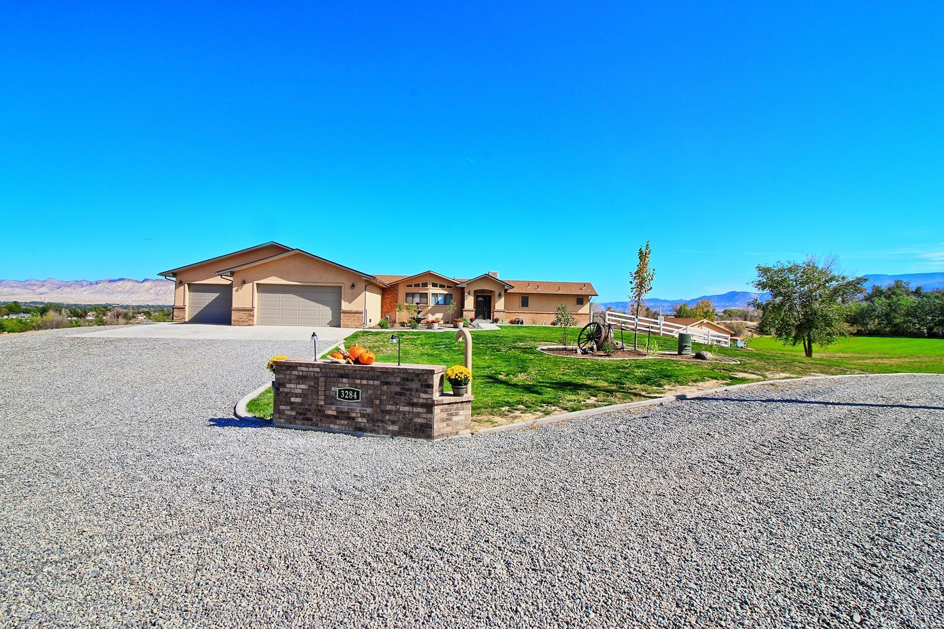3284 B 1/2 Road Property Photo 1