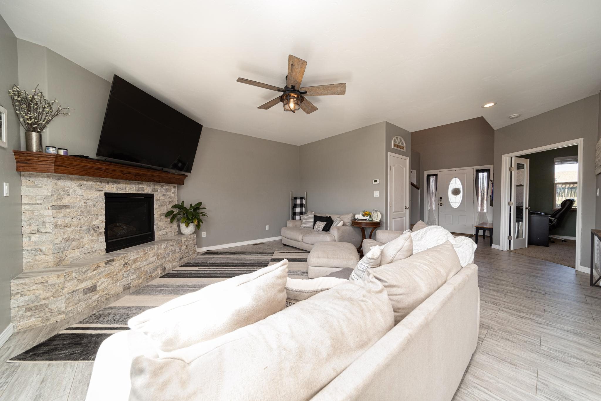 1460 Catalina Avenue Property Photo 8