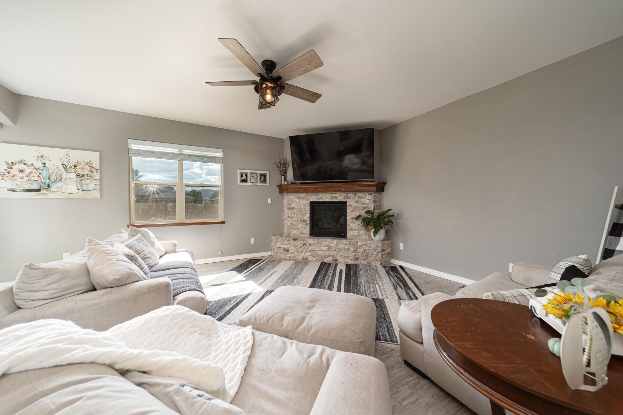 1460 Catalina Avenue Property Photo 9