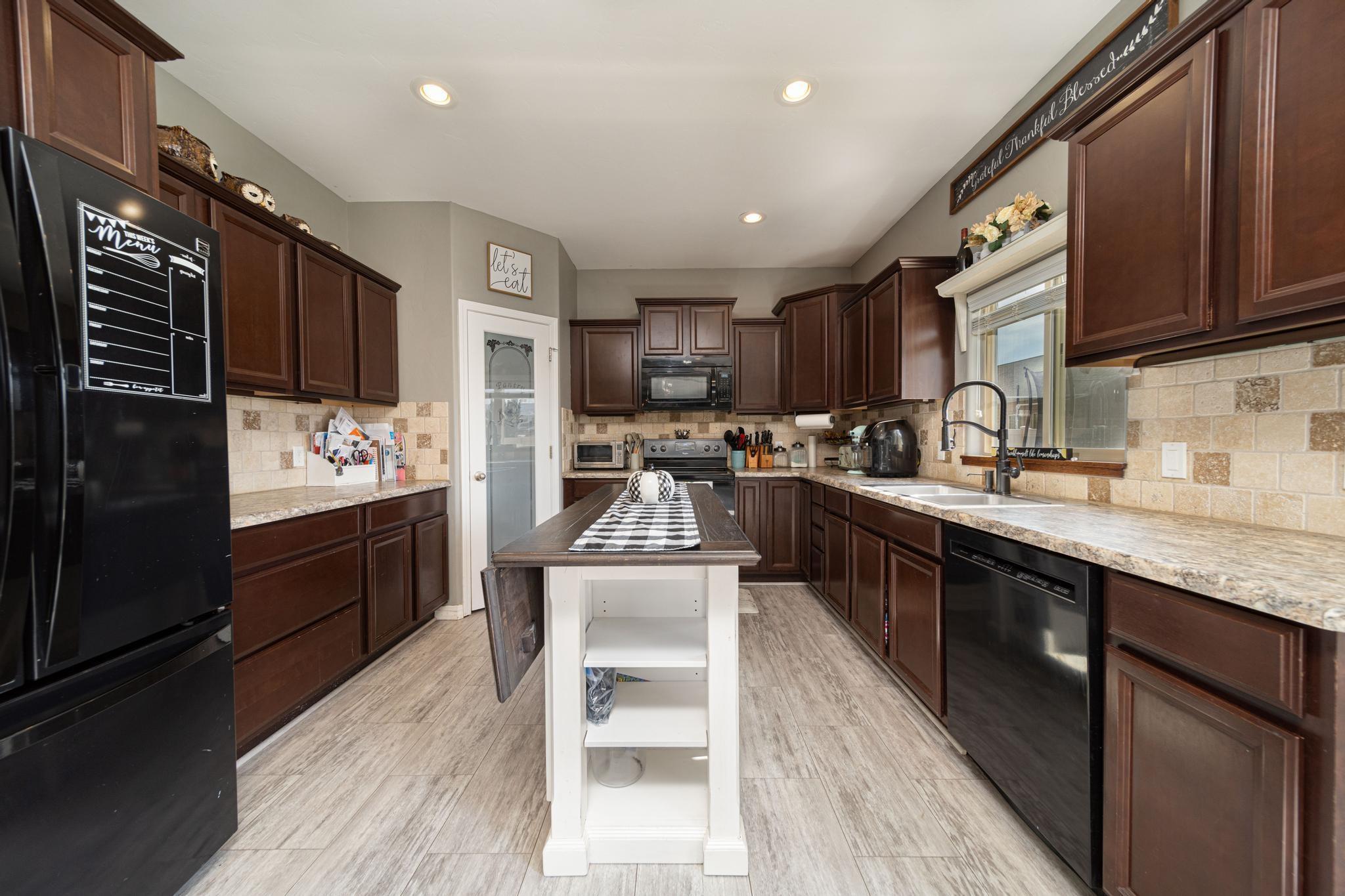1460 Catalina Avenue Property Photo 13