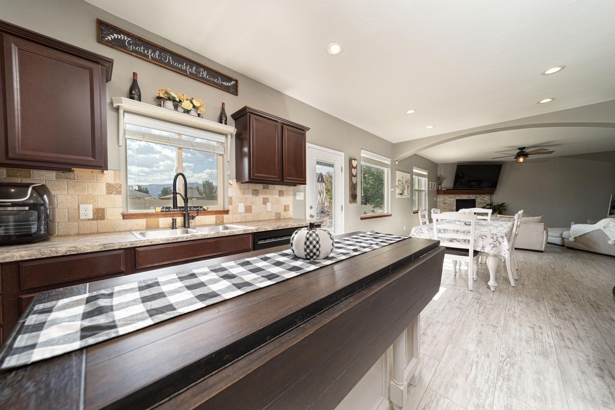 1460 Catalina Avenue Property Photo 14