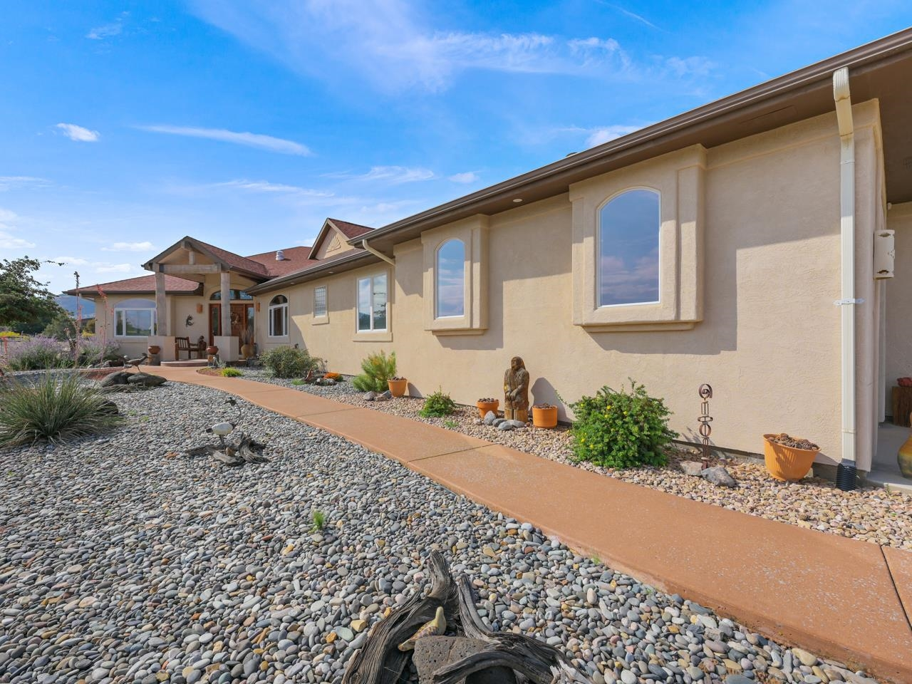 2209 Red Canyon Court Property Photo 2